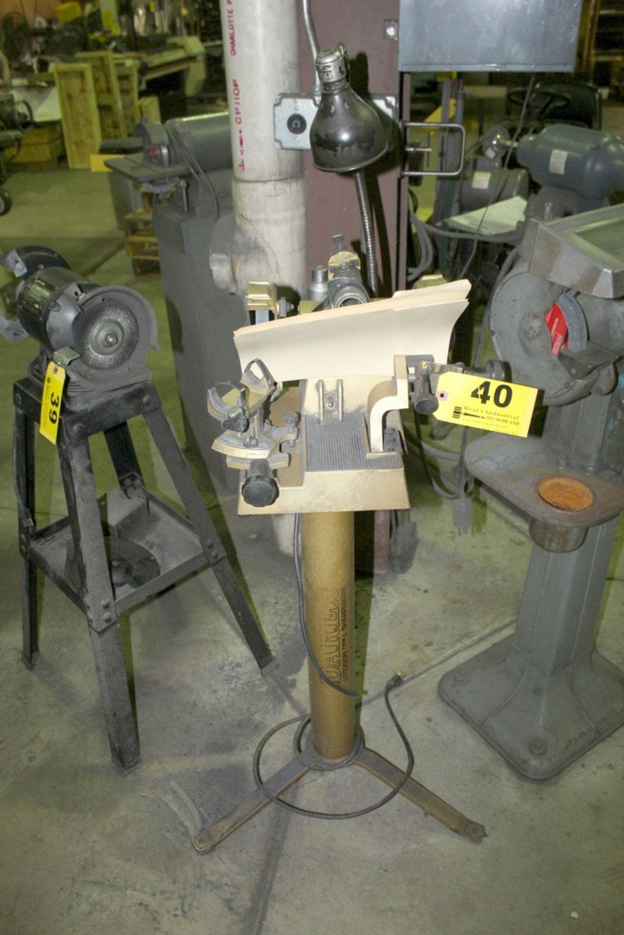 Lot 40 - DAREX M4/5 PRECISION DRILL SHARPENER S/N 52472 ON DAREX STAND