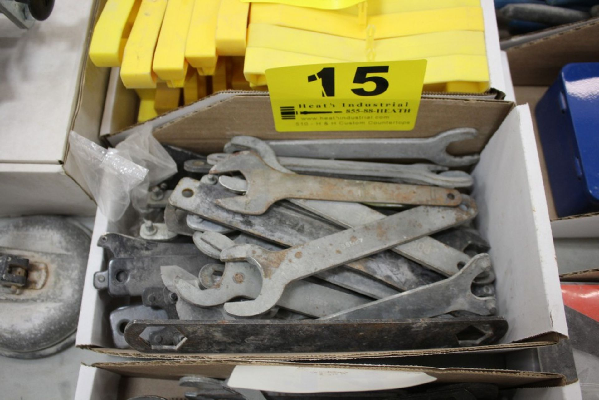 Lot 15 - LARGE QTY OF WRENCHES IN BOX