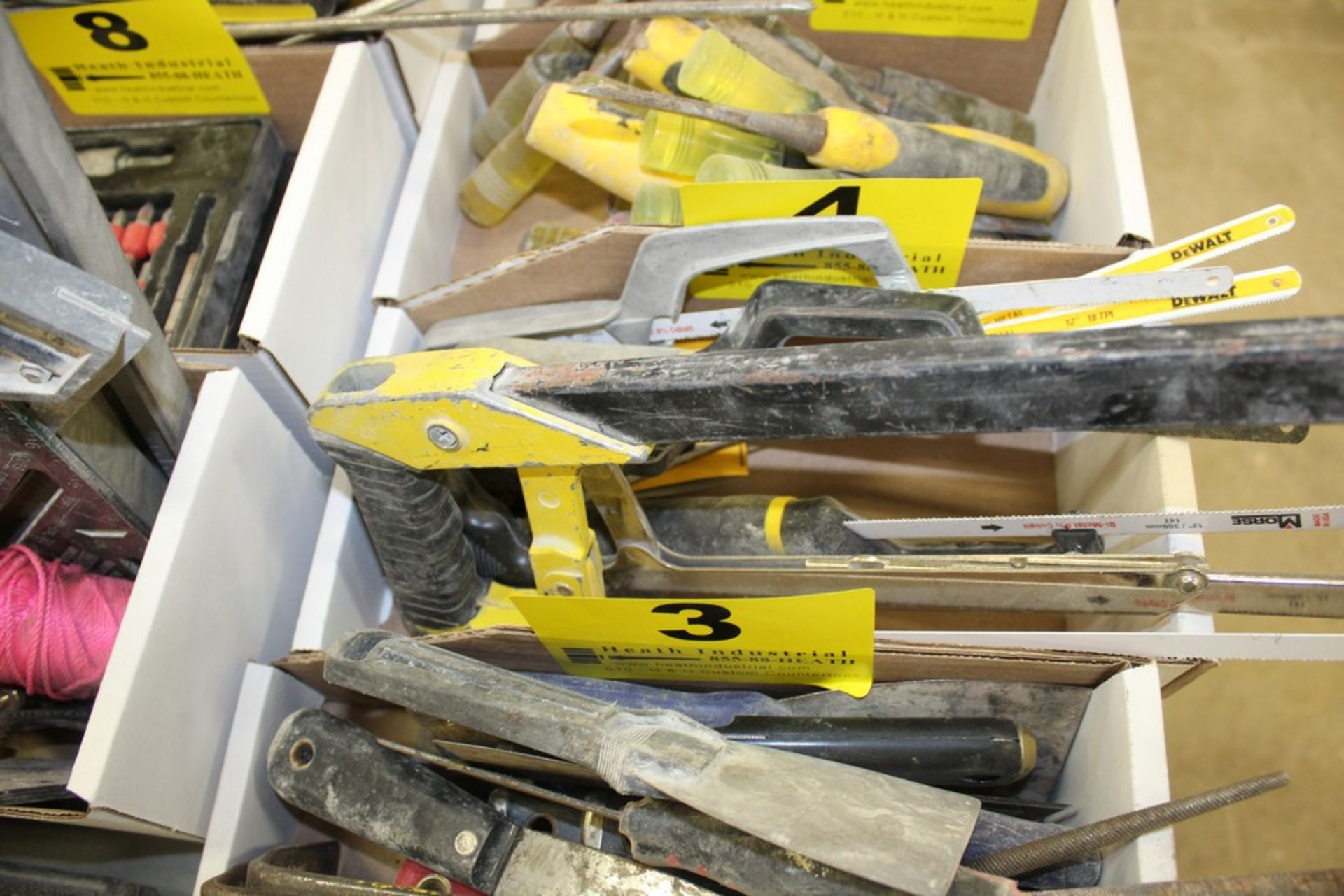 Lot 4 - ASSORTED HACKSAWS IN BOX