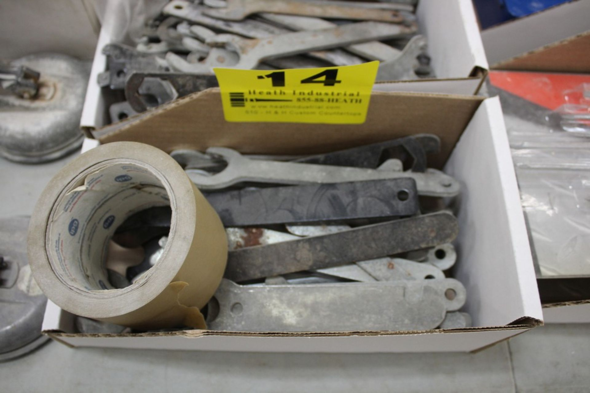 Lot 14 - LARGE QTY OF WRENCHES IN BOX