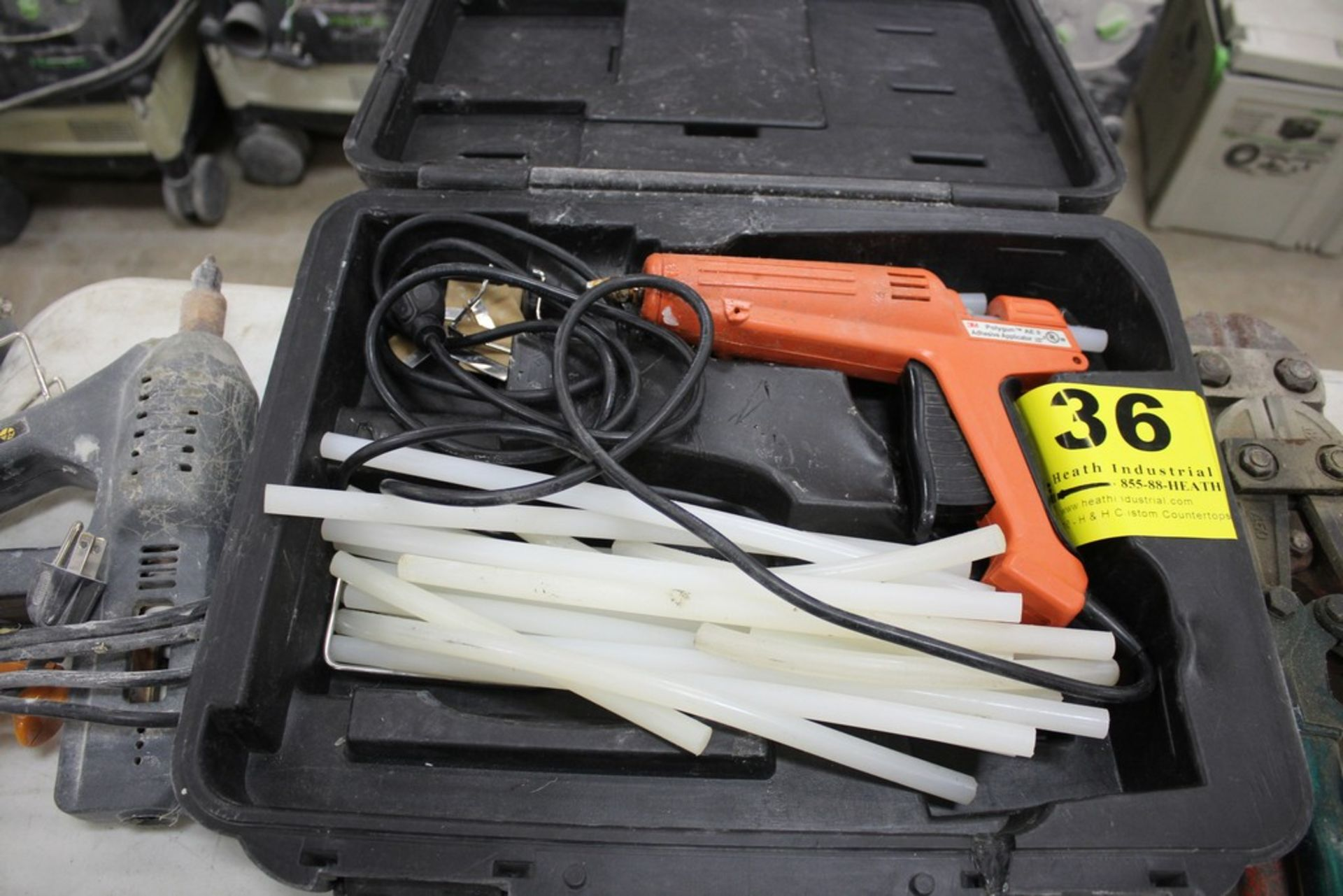 Lot 36 - 3M POLYGUN ADHESIVE APPLICATOR