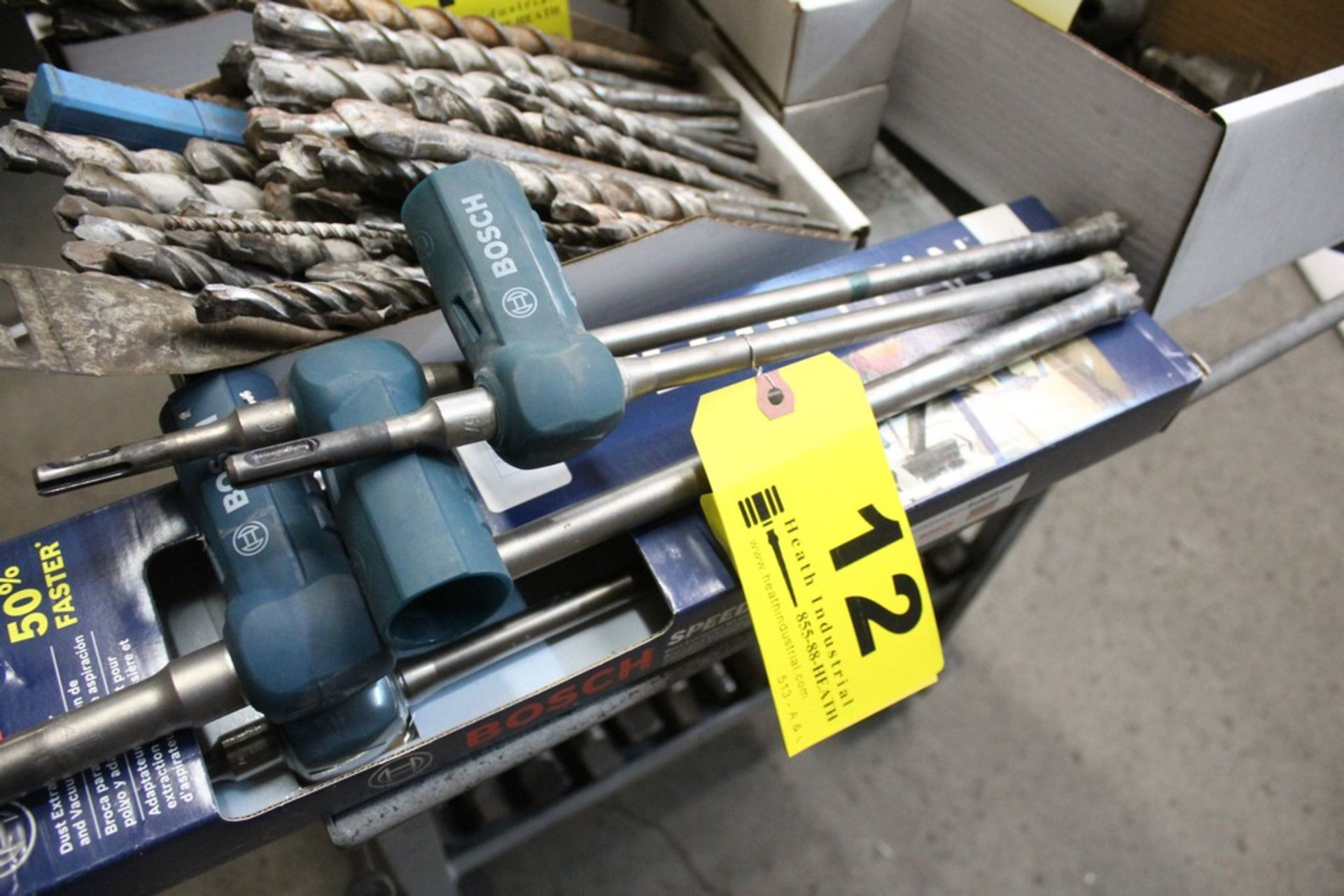 Lot 12 - (4) BOSCH DIAMOND DUST EXTRACTION BITS WITH VACUUM ADAPTER