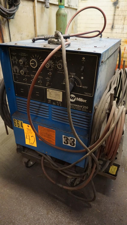 Lot 42 - Miller Syncowave 250 Constant Current AC/DC Arc Welding Power Source, Serial Number: JJ387869