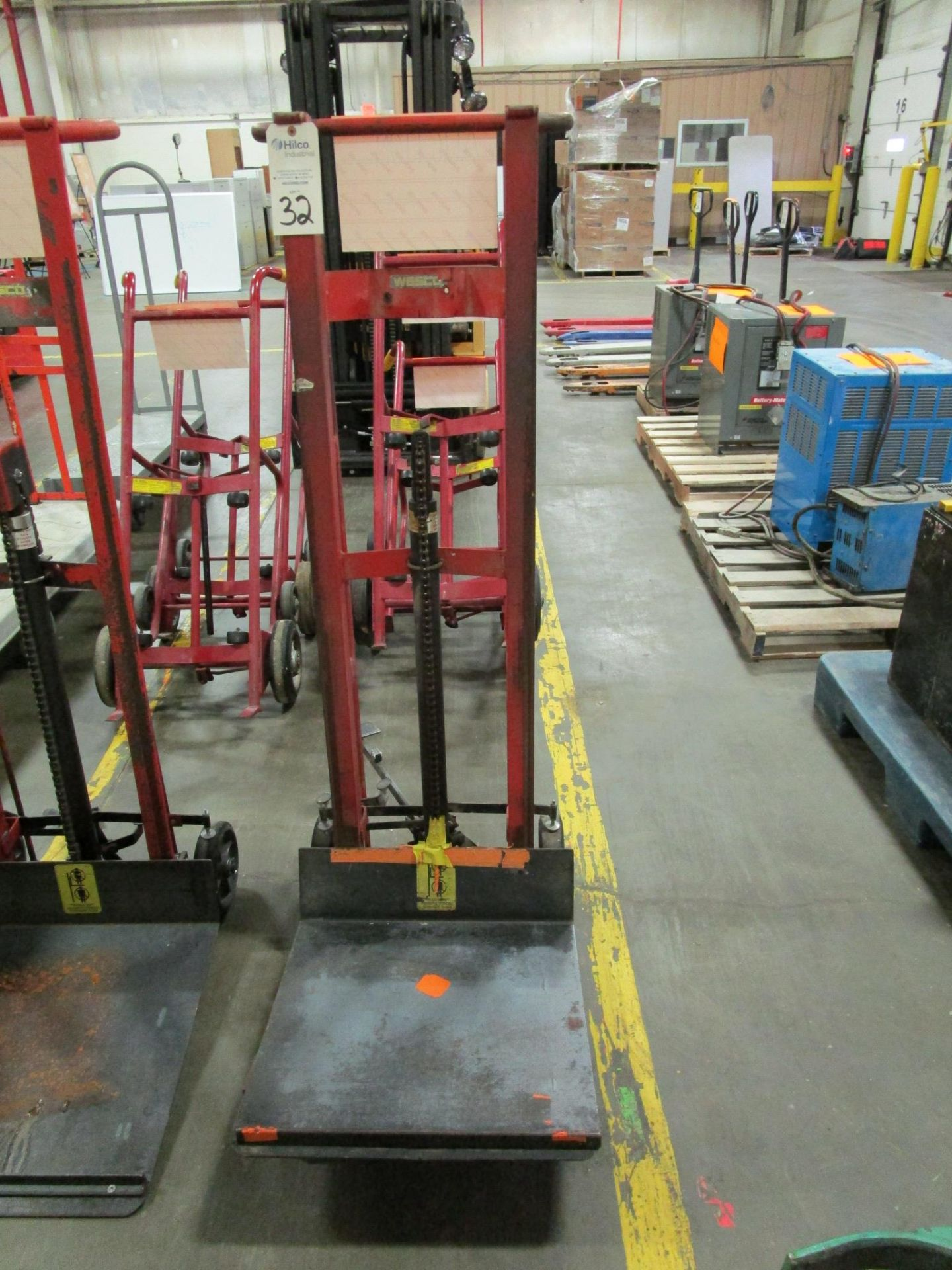 Lot 32 - Wesco Model DPL 5422 750 Lb. Platform Lift