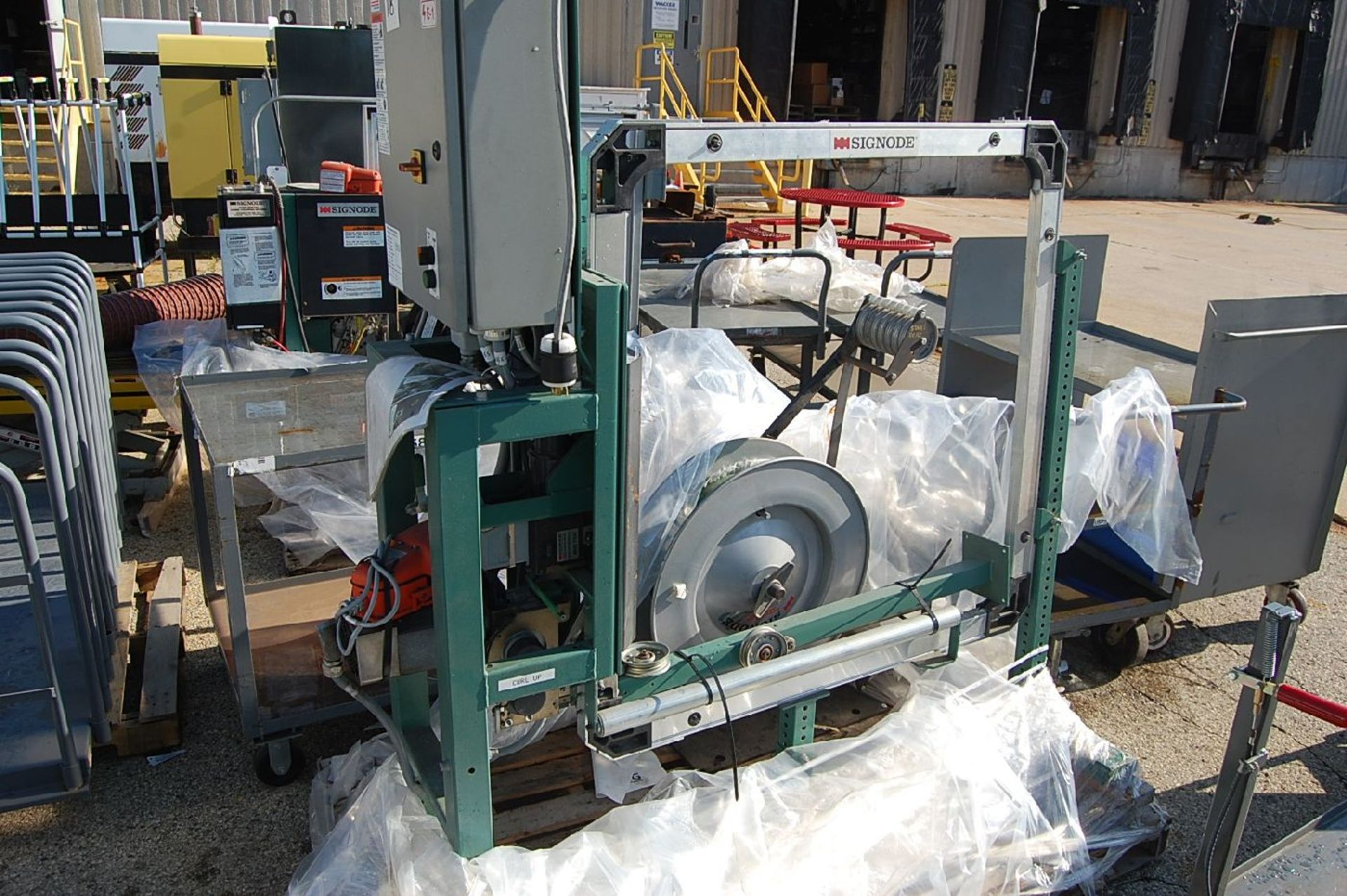 Lot 18 - Signode Model MOD 710 Power Strapping Machine