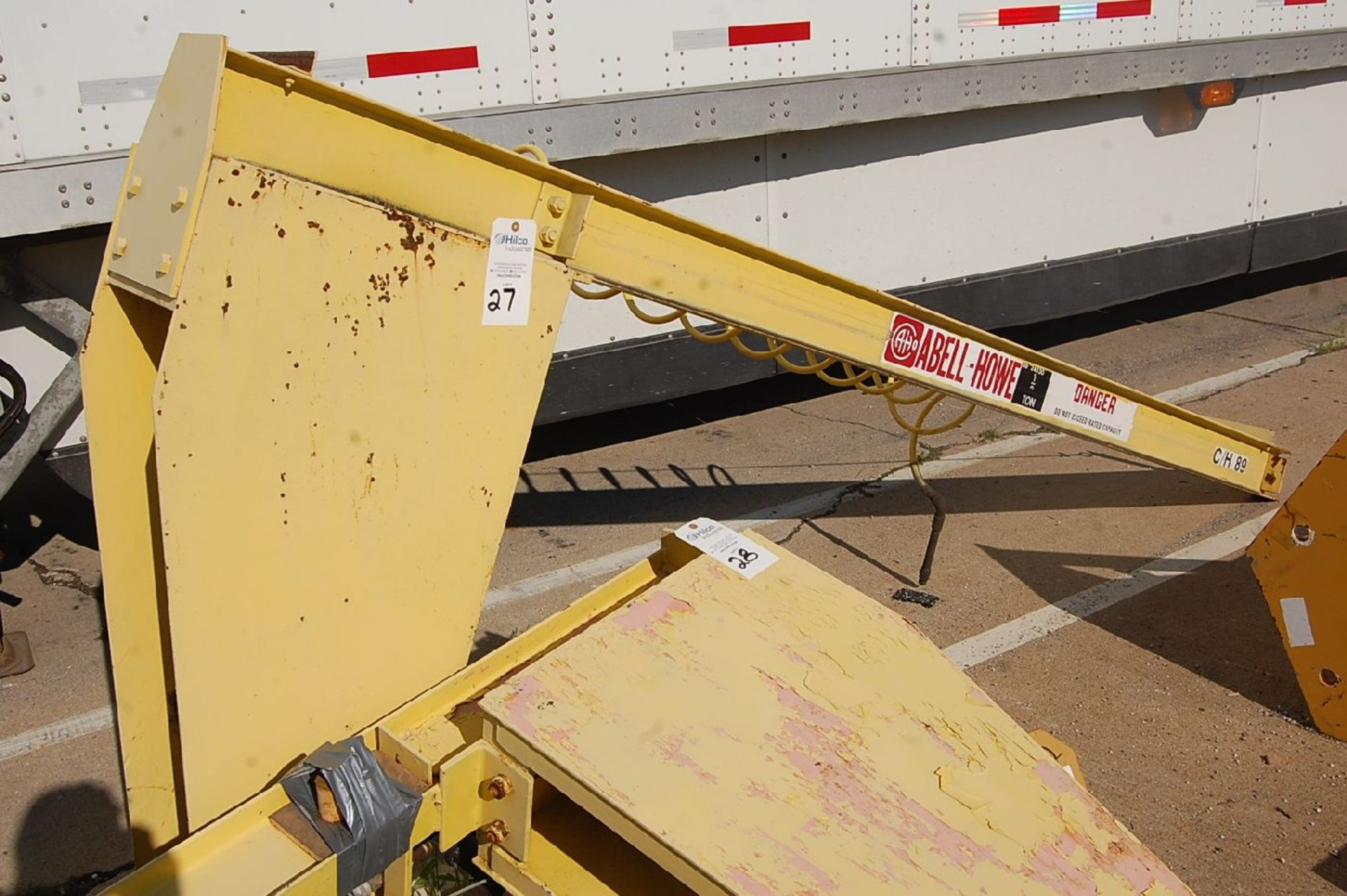 Lot 27 - Abell-Howe 1/2-Ton Floor Standing Jib Crane