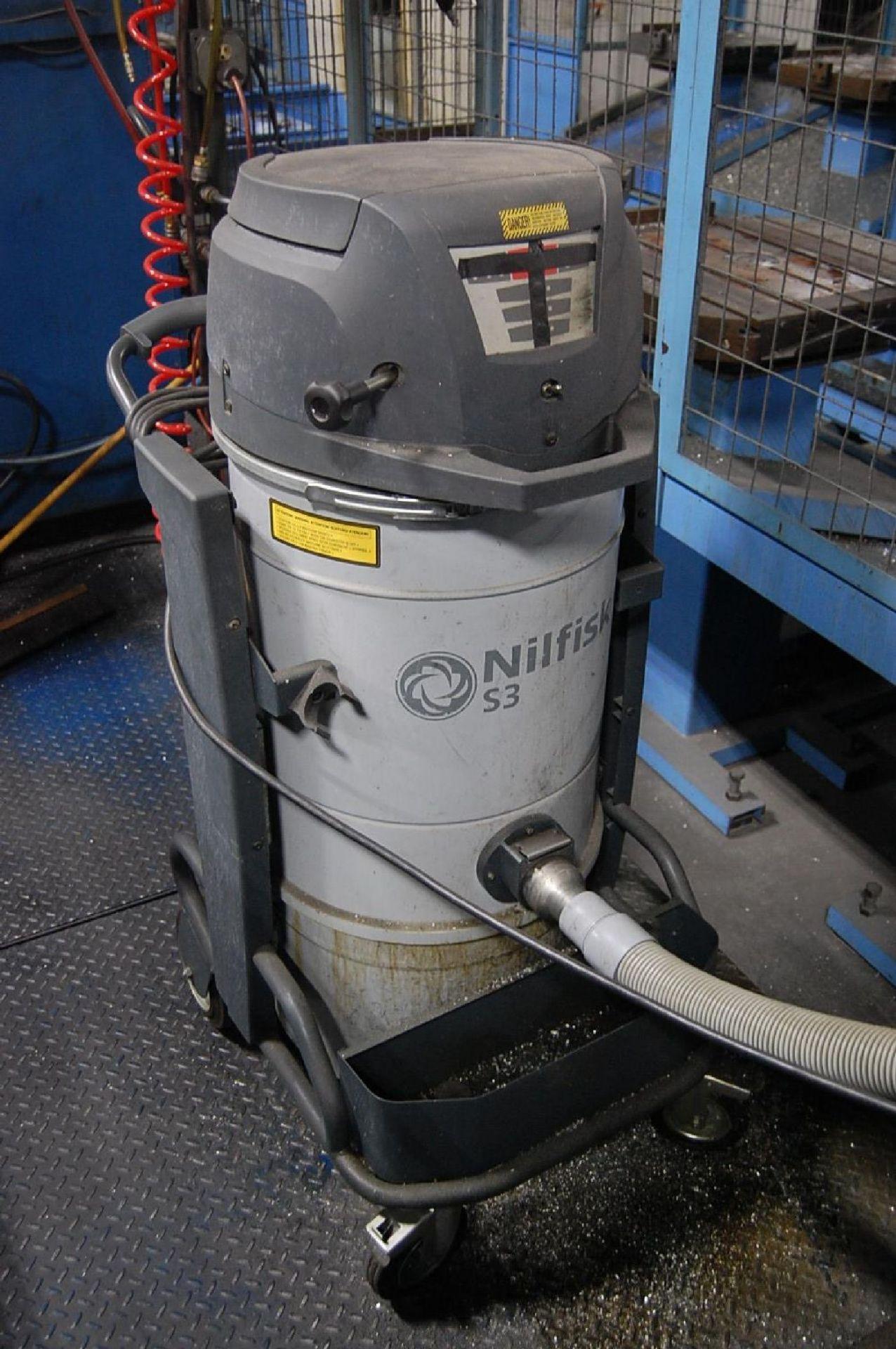 Lot 8 - Nilfisk Model S3N1 Vacuum System