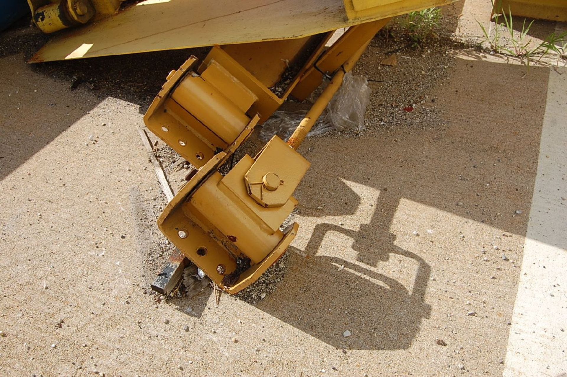 Lot 29 - Contrx Cranes 1-Ton Column Mounted Jib Crane