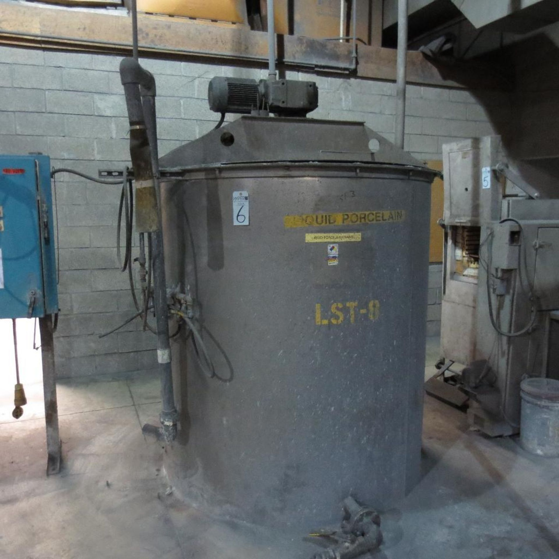 Lot 6 - (Est) 1,200 Gallon Stainless Steel Mixing Tank, (Est) 6' Dia. x 6' High, Top Hinged Cover, Bridge Ty
