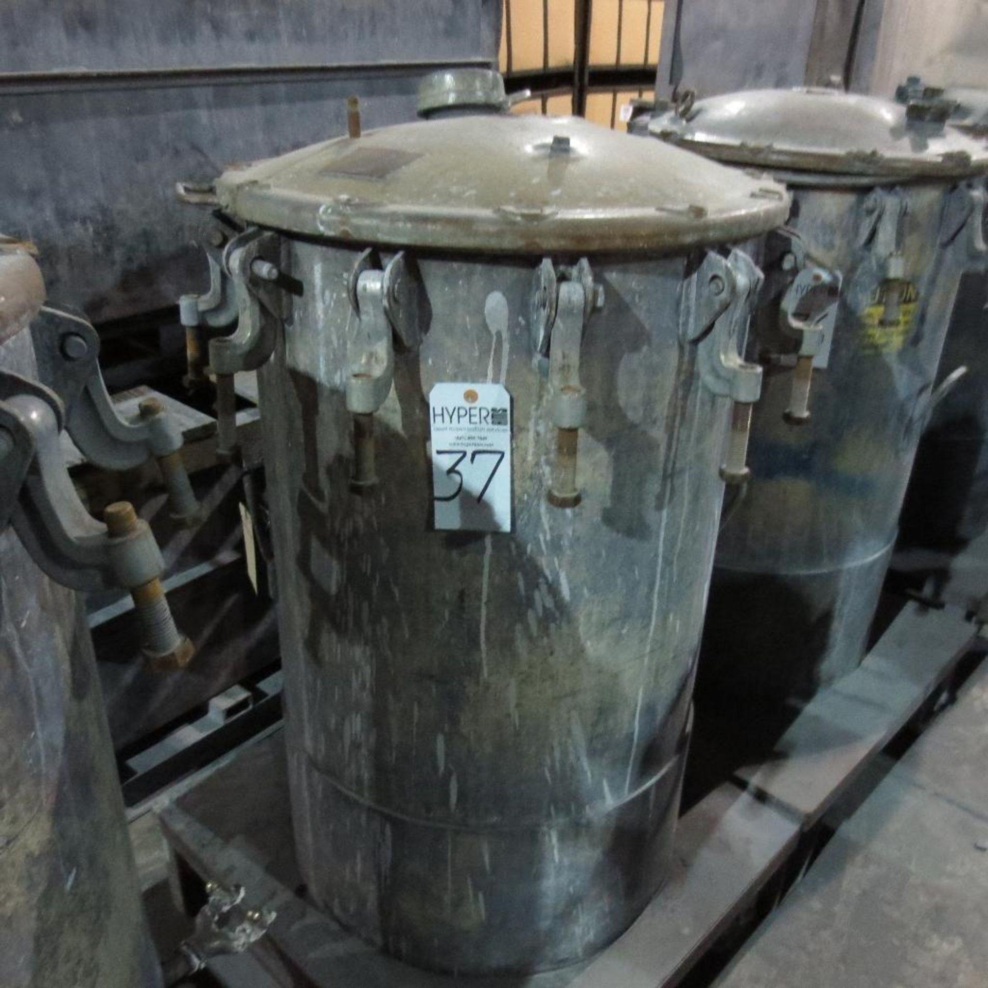 """Lot 37 - (Est) 40"""" X 24"""" Pressure Pot"""