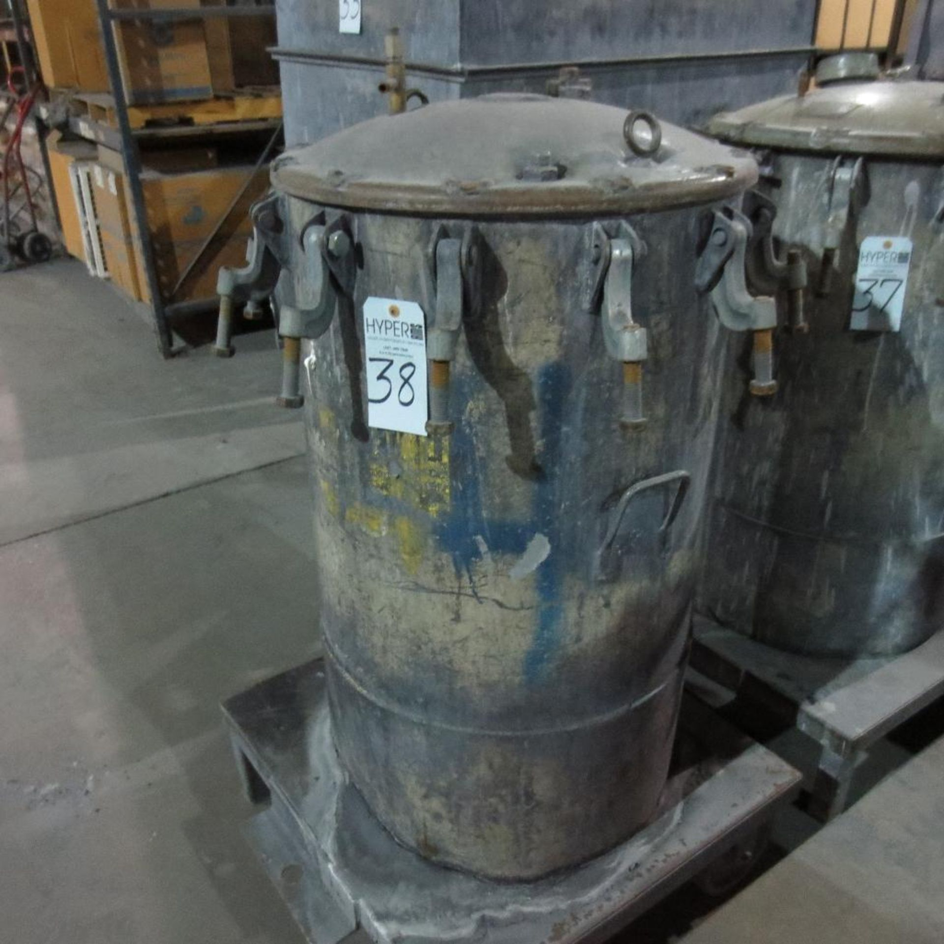 """Lot 38 - (Est) 40"""" X 24"""" Pressure Pot"""