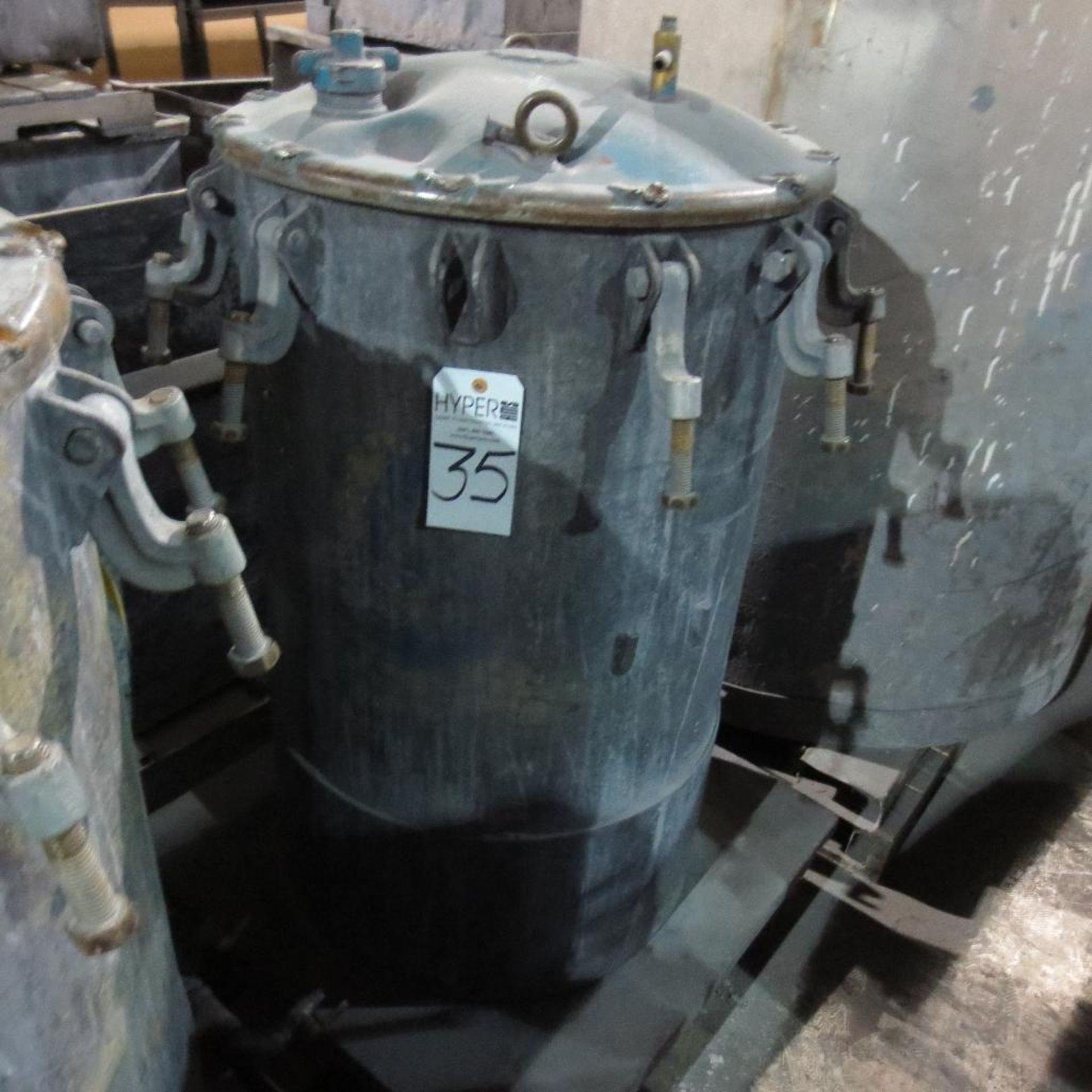 """Lot 35 - (Est) 40"""" X 24"""" Pressure Pot"""