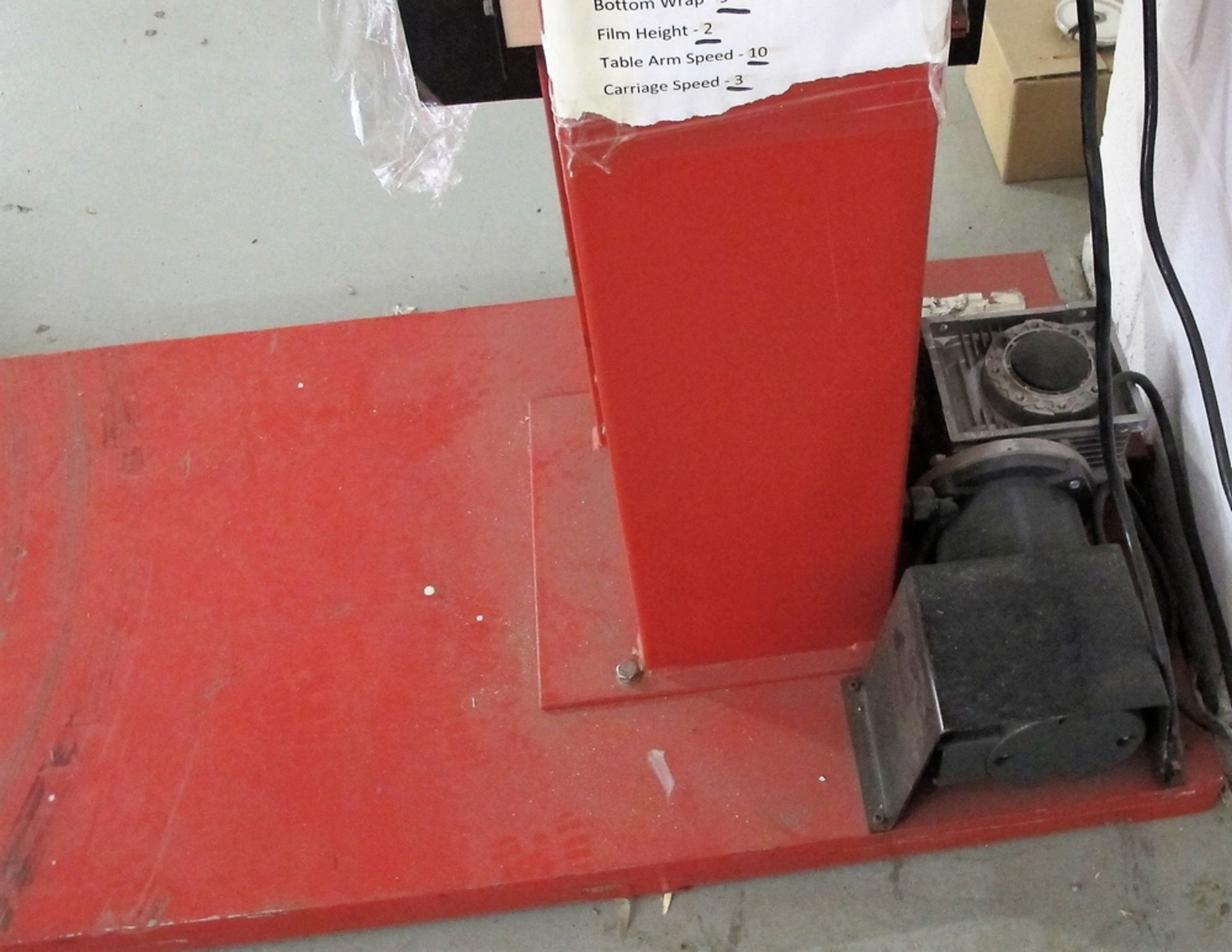 Lot 152 - FOX PALLET WRAPPER, MODEL F0CC1, S/N C1-112309207