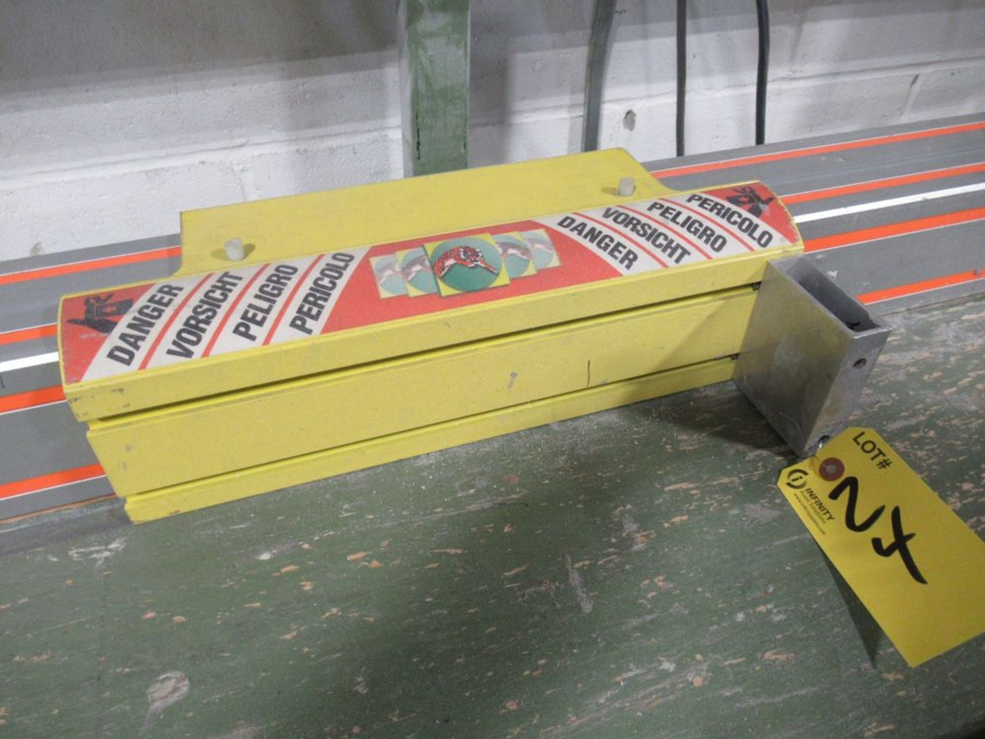 """TIGER STOP 10' MATERIAL MEASURING SYSTEM W/ 24"""" X 10' TABLE - Image 3 of 4"""