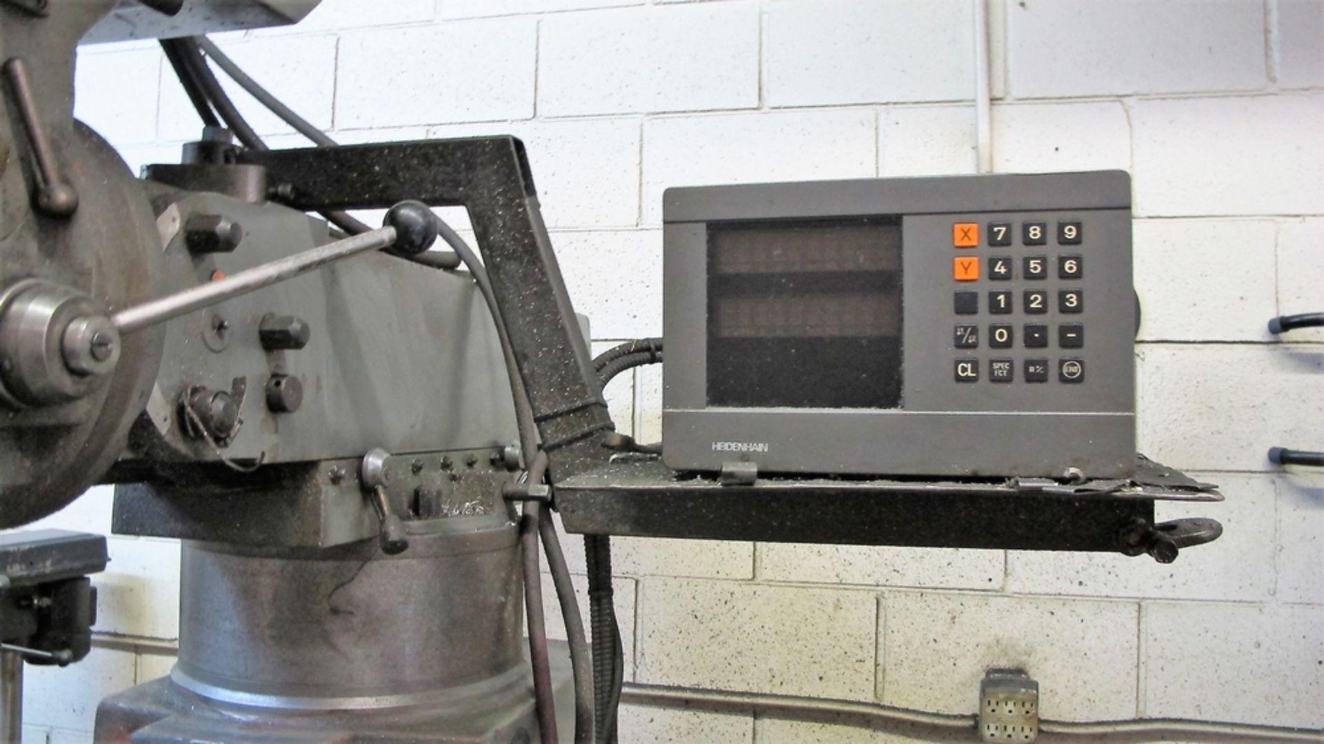 Lot 30 - TOS-KARIM VERTICAL MILLING MACHINE, 1-1/2 HP, MODEL FNK25, 56-4500 RPM, HEIDENHAIN 2 AXIS DRO, 11-