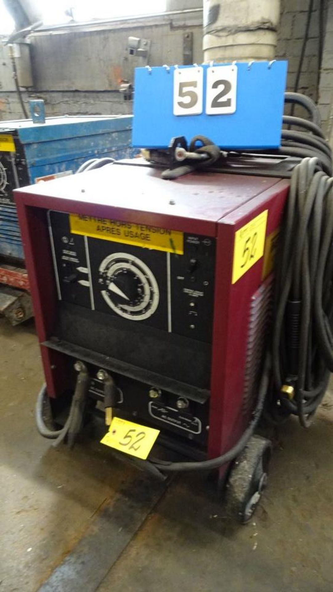 Lot 52 - THERMAL ARC AC/DC ARC WELDER MOUNTED ON WHEELS