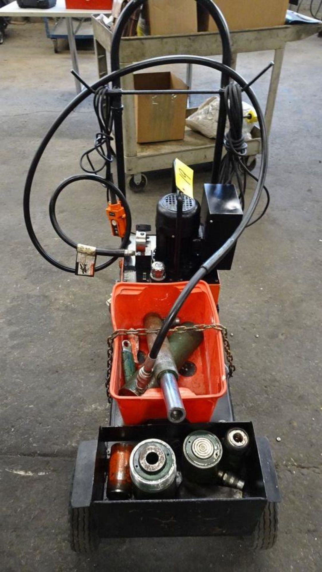 Lot 19 - EAGLE PRO EPB -3B1P5A SERIES HYDRAULIC POWER PACK C/W (5) ASSORTED SIZE HYDRAULIC RAMS, CART, S/N