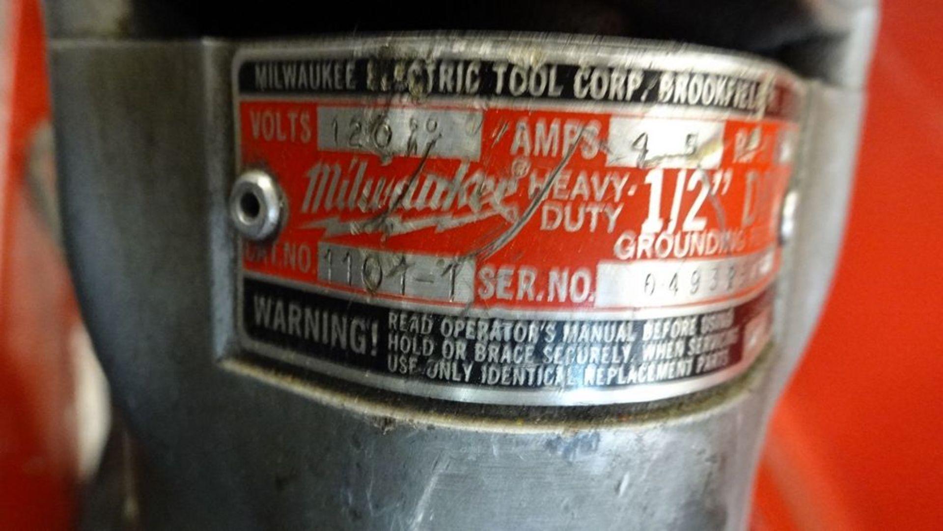 Lot 9 - MILWAUKEE 1101-1 RIGHT ANGLE DRILL, 120V, C/W CASE