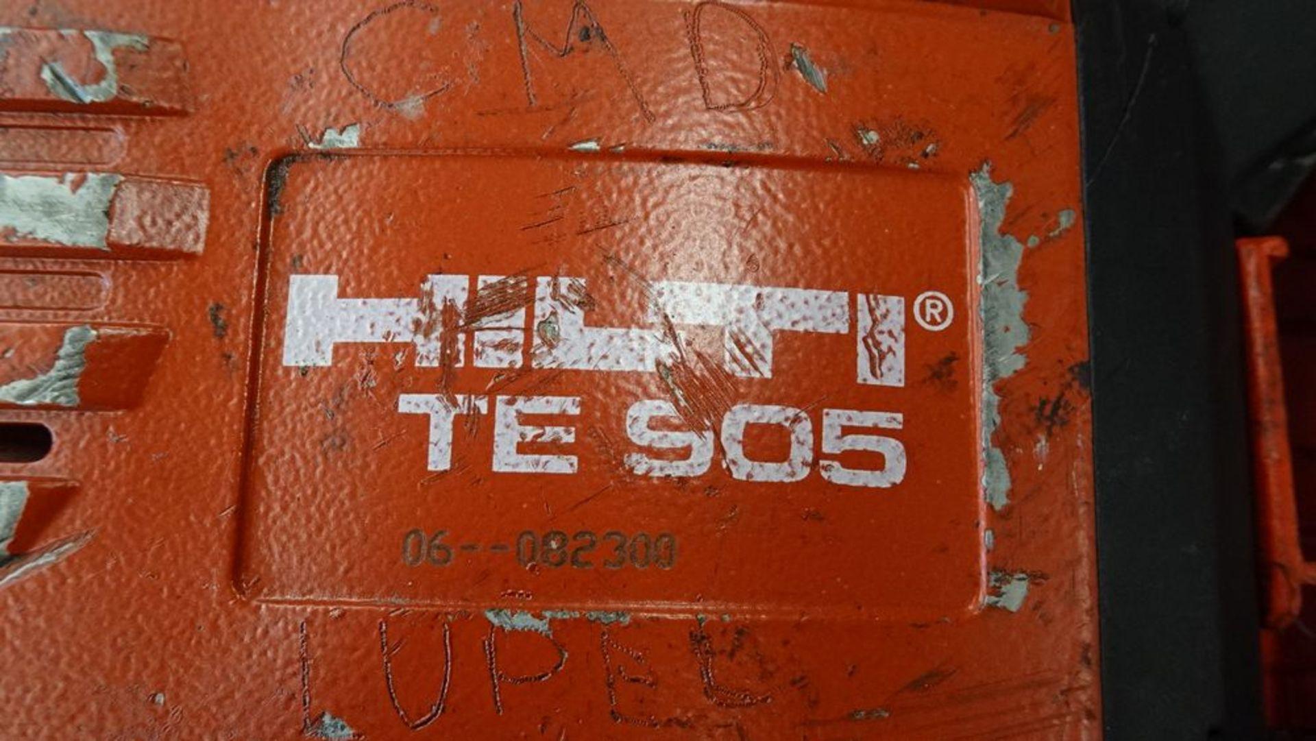 Lot 7 - HILTI TE-905 ROTARY HAMMER C/W CASE, S/N 06-082300