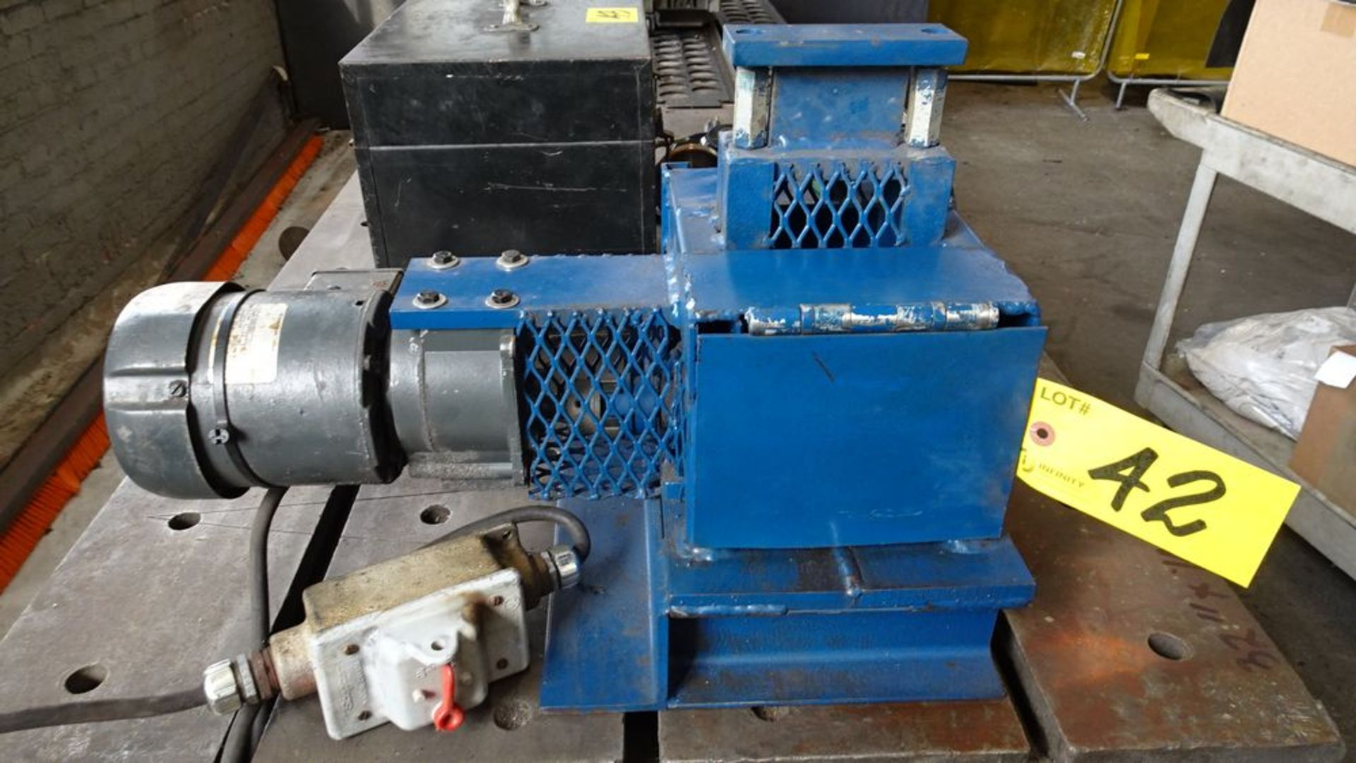 Lot 42 - CUSTOM BUILT ELECTRIC POWERED WIRE STRIPPER P/W 1.6 HP ELECTRIC MOTOR