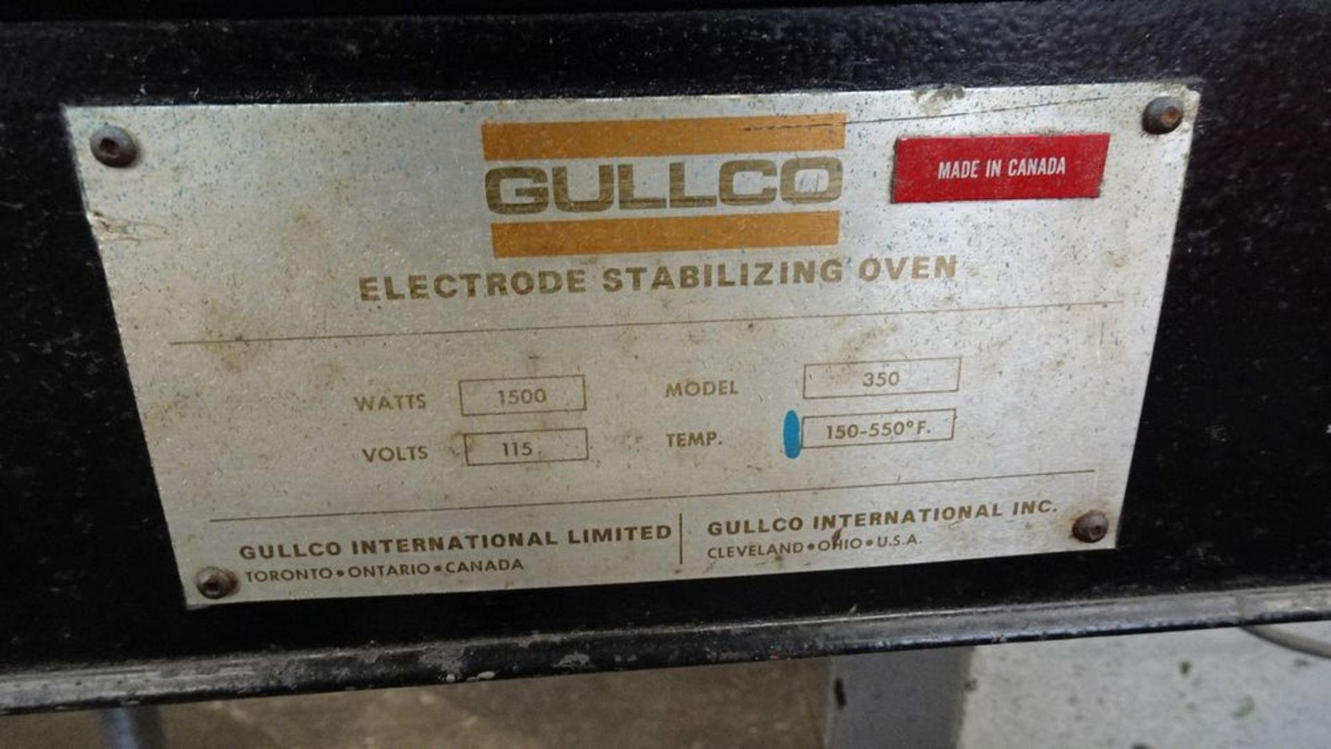 Lot 24 - GULLCO 350 ELECTRODE STABILIZING OVEN, 1500 WATTS, C/W CONTENTS (RIGGING FEE $25)