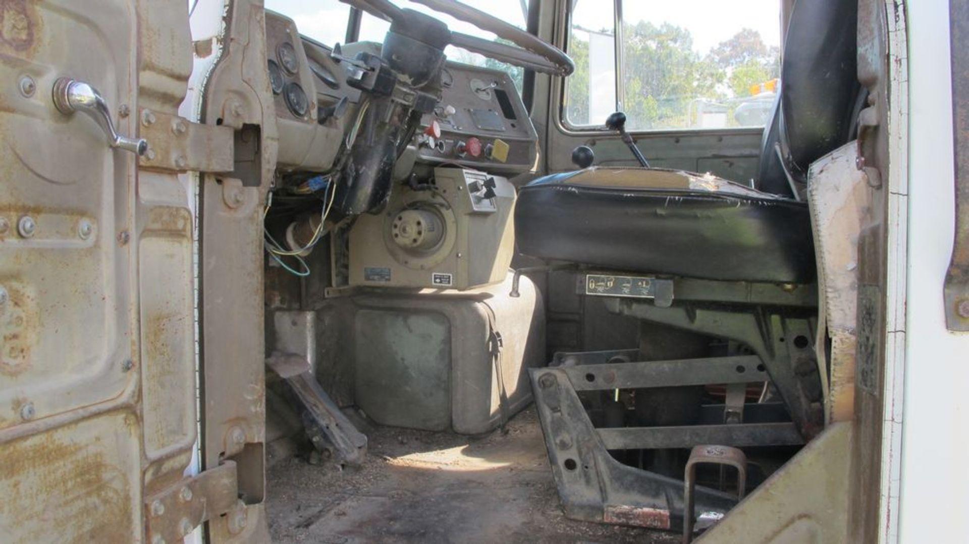 Lot 11 - GREY MACK TRACTOR RD6885 YARD TRUCK, VIN 1M2P267Y9XMC47498 (RUNNING) (WAREHOUSE 30 - PARKING LOT)