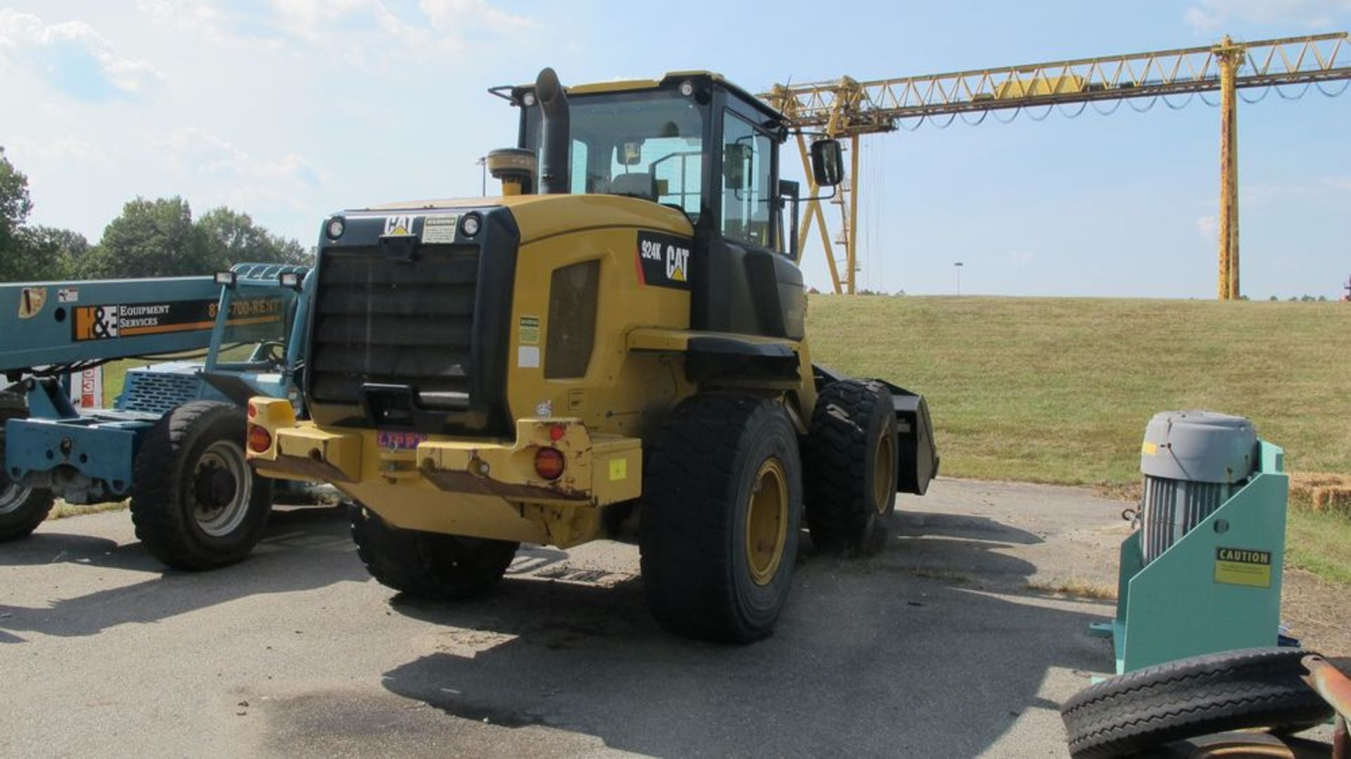 Lot 4 - CATERPILLAR 924K FRONT END LOADER (NEEDS REPAIR) (WOOD YARD - PARKING LOT)