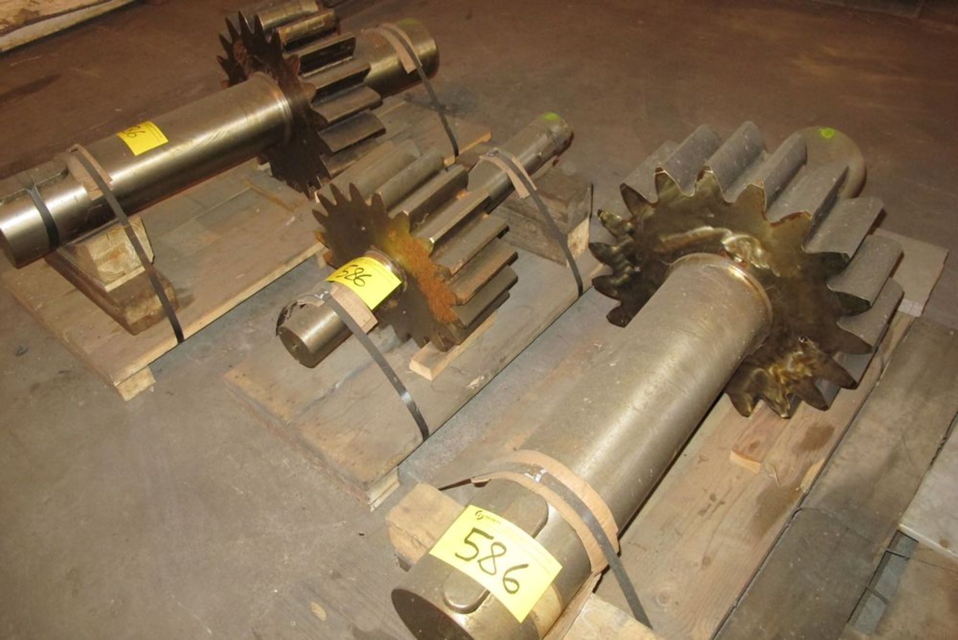 Lot 586 - LOT OF 3 GEAR SPROCKETS (WHSE 30)