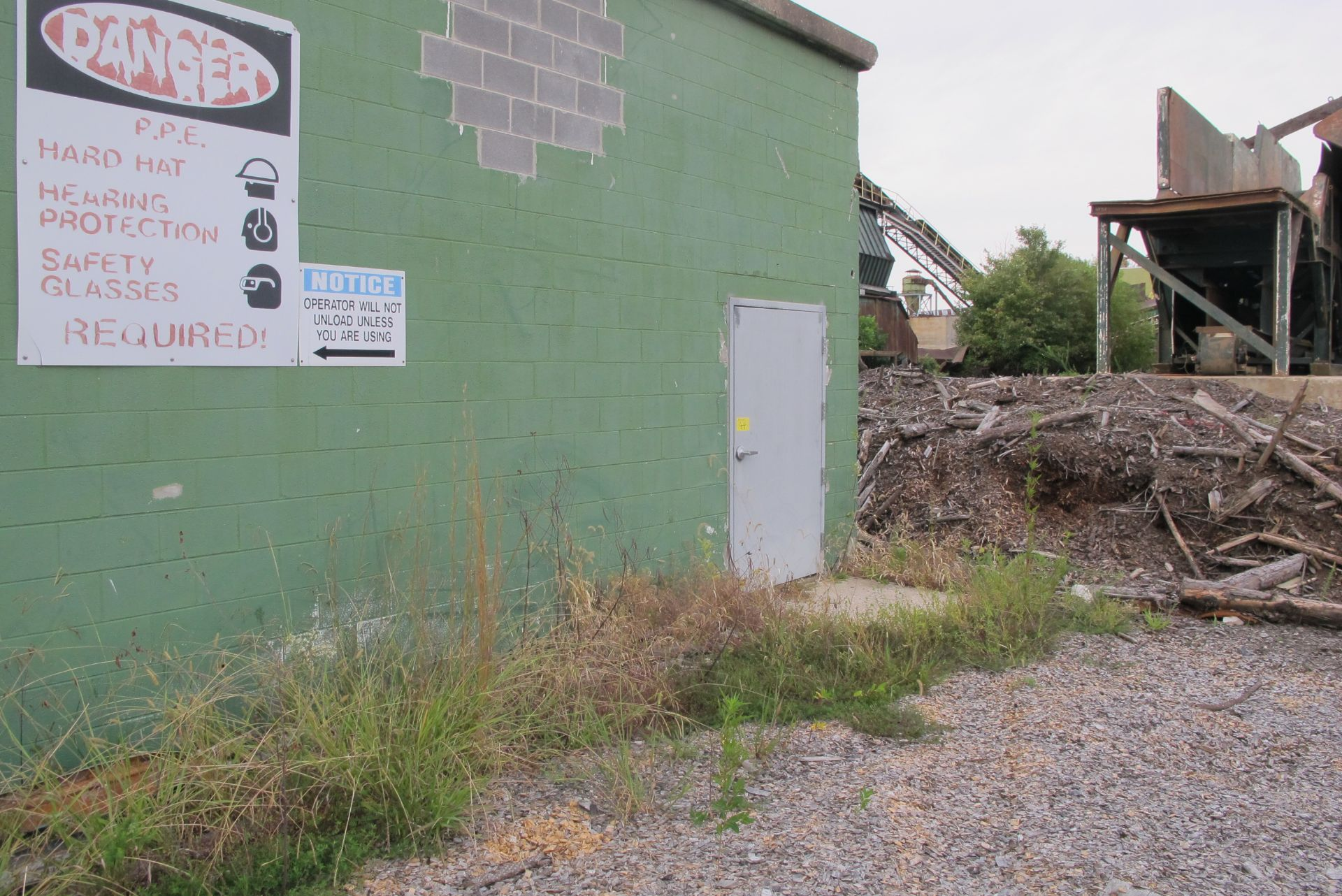 Lot 60A - LARGE QTY. ASST. STRUCTURAL STEEL, METAL ROOFING, ETC. THROUGHOUT SITE TO INCLUDE: ALL REMAINING