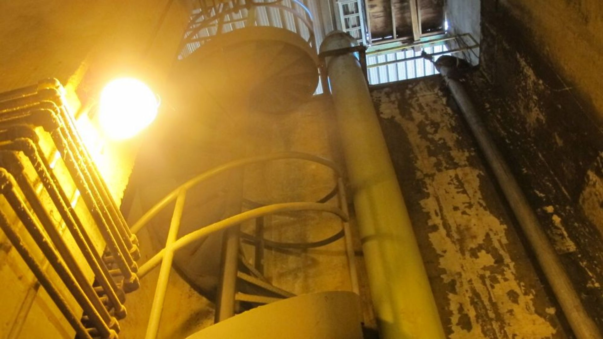 Lot 54 - SPIRAL STAIRCASE (38 STEPS IN TOTAL) (TRUCK DUMP BLDG - WOOD YARD)