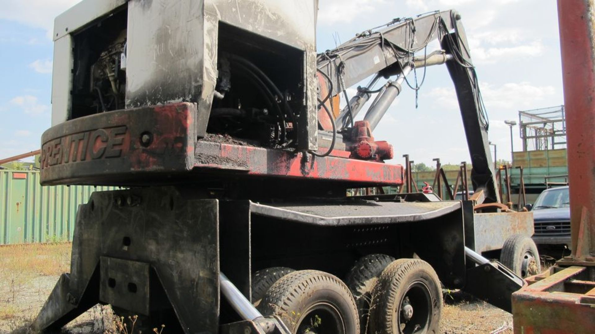 Lot 9 - PRENTACE 410E KNUCKLE BOOM, D410F-SPA, VIN 410P53586 W/GRAPPLE (RUNNING) (WEST WOOD YARD)