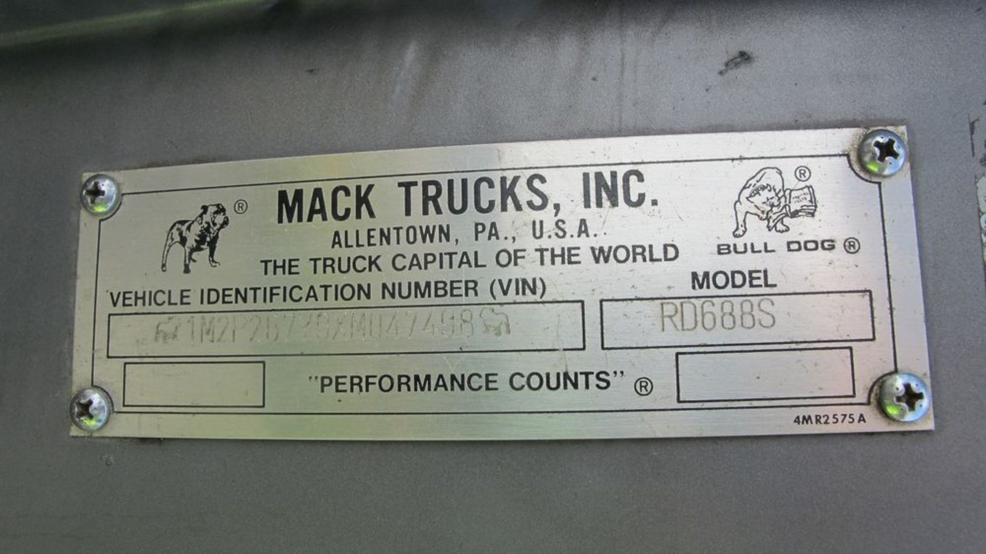 Lot 12 - MACK TRACTOR (GREY), RD6885 YARD TRUCK, VIN #1M2P267Y9XMO47498 (RUNNING) (WAREHOUSE 30 - PARKING