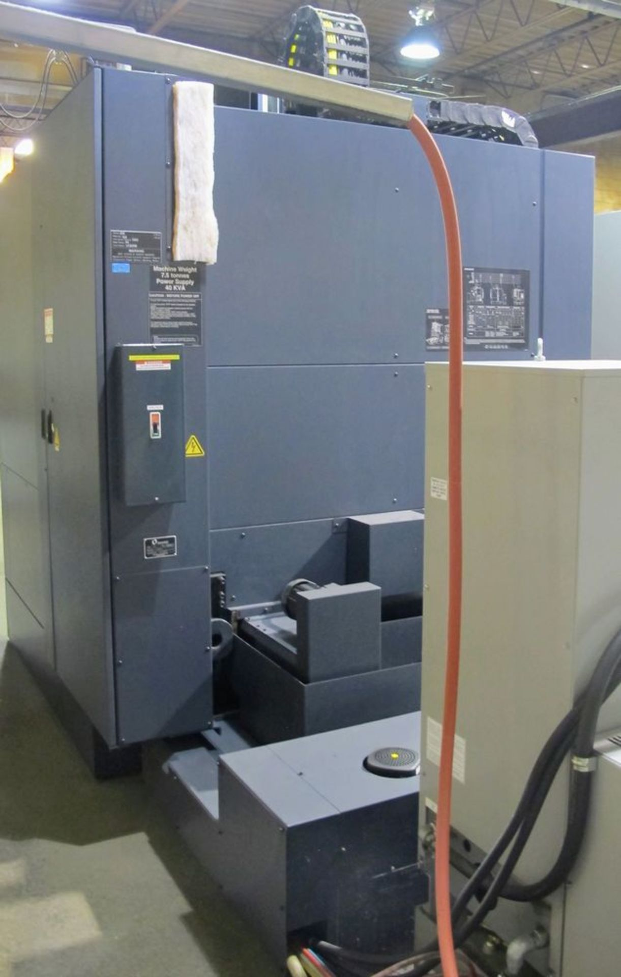 "Lot 10 - 2014 MAKINO F5 CNC Vertical Machining Center, s/n V150789 (9,576 Spindle Hrs), 20"" x 40"" Table ("