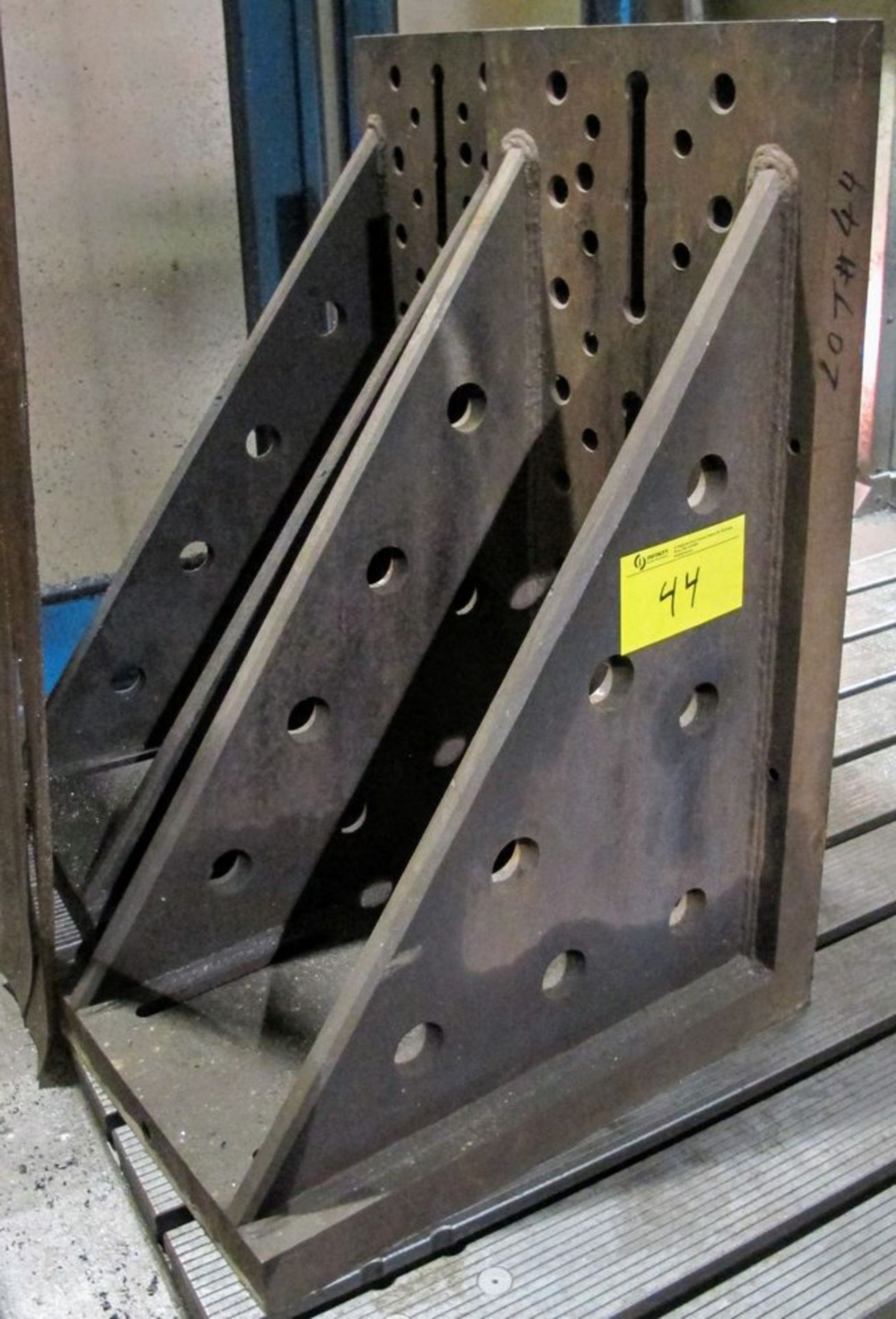 """Lot 44 - PAIR OF 39""""H X 27""""L X 18""""W ANGLE PLATES"""