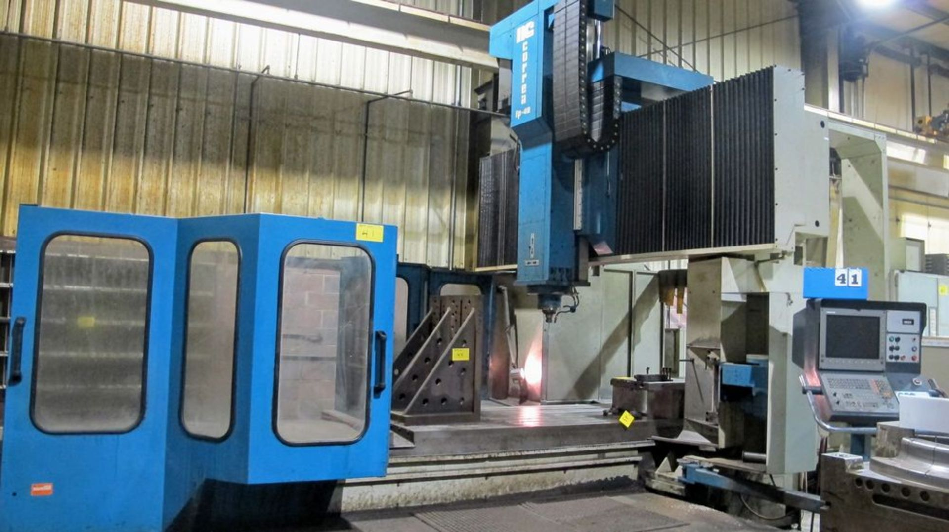 "Lot 41 - 2000 NICOLAS CORREA FP-40/40 CNC Bridge Type Vertical Machining Center, s/n 8951101, 50"" x 160"""