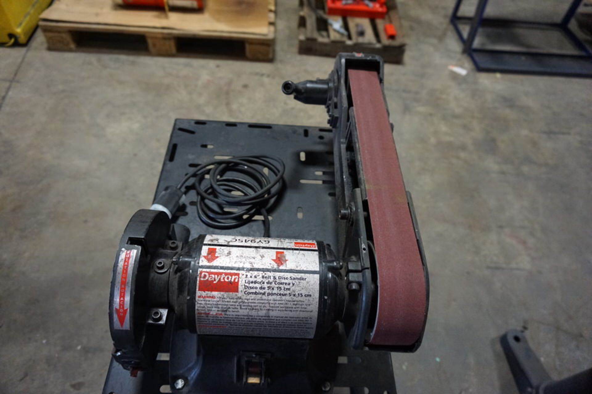"Lot 31 - DAYTON COMBO BELT/DISC SANDER MDL:6Y445C, 6"" DISC, 2"" WIDE BELT W/ STAND (Location: 903 Blue"