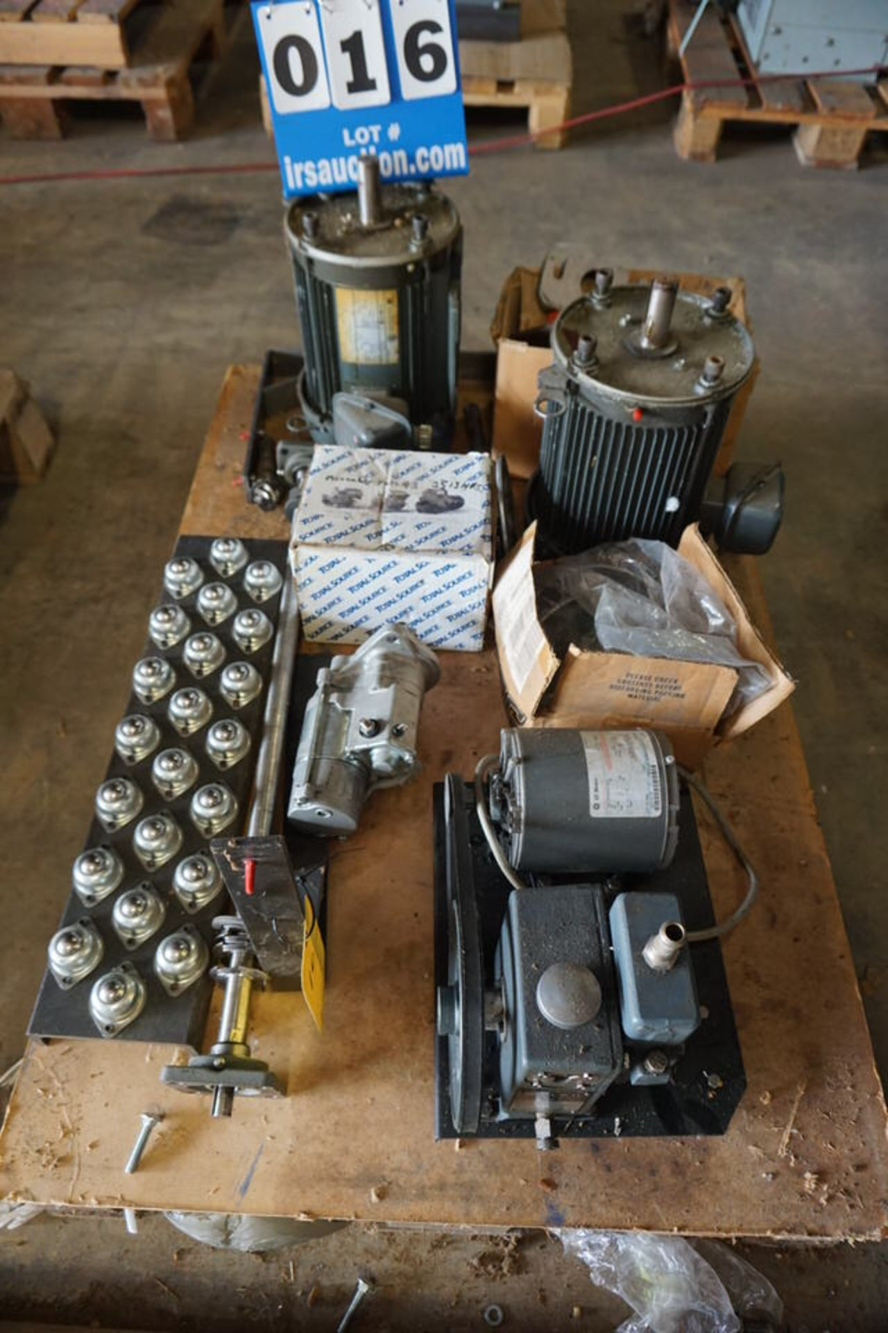 Lot 16 - VACCUM PUMP, MOTORS, STARTERS, MISC (Location: 903 Blue Starr, Claremore, OK 74017)