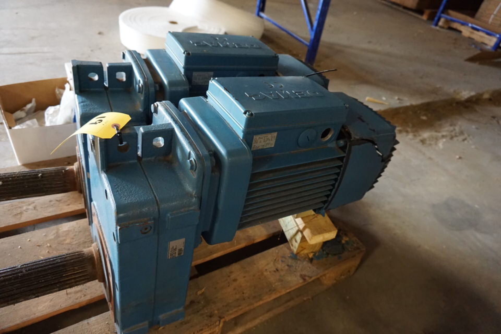 Lot 19 - DEMAG SPLINE DRIVERS, TYPE: ZBF-112-A-8/2-B140, HP:.74/3.10, 480V AC, 216V DC (Location: 903 Blue