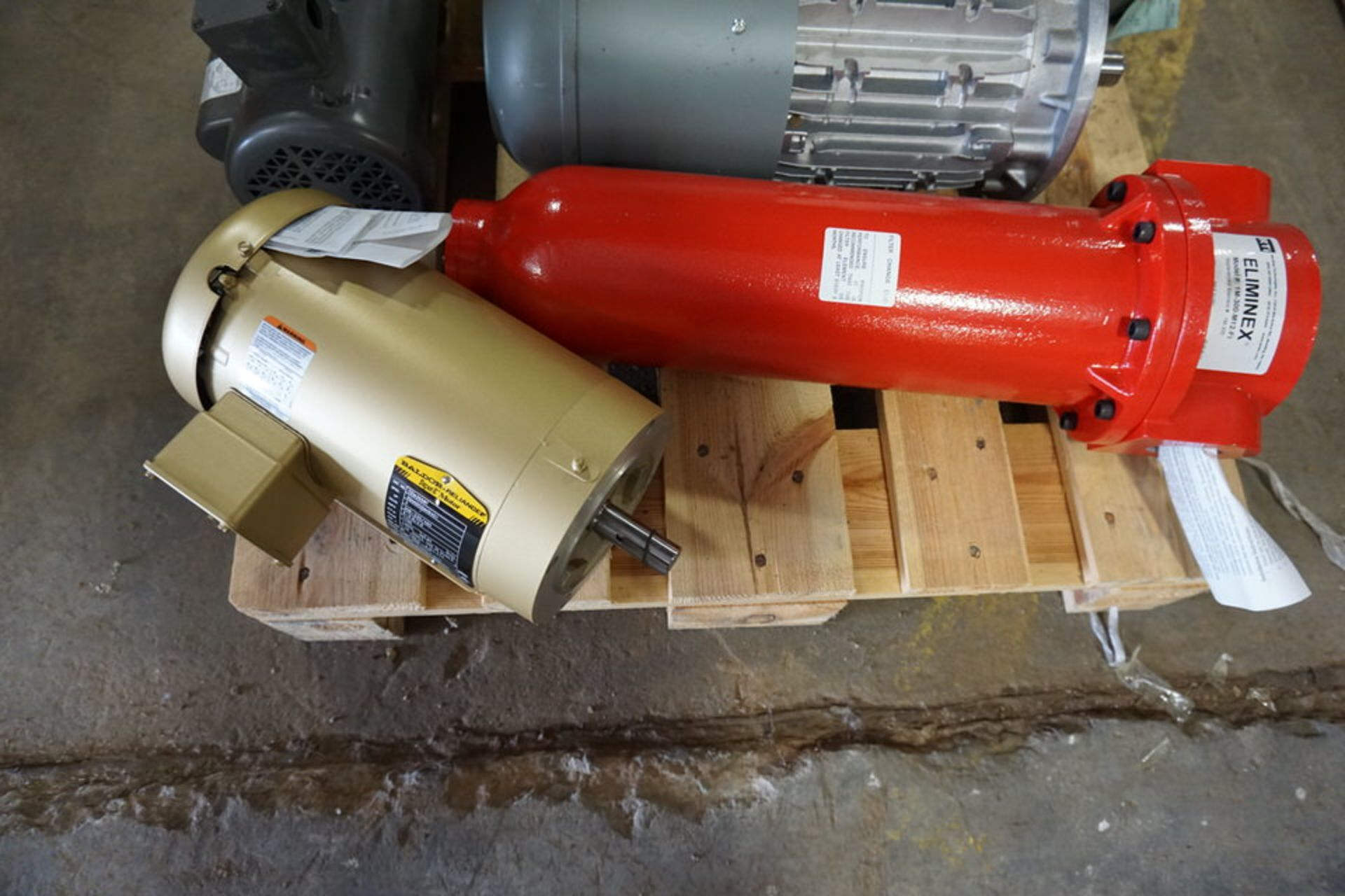 Lot 10 - ASSORT MOTORS & FILTERS (Location: 903 Blue Starr, Claremore, OK 74017)