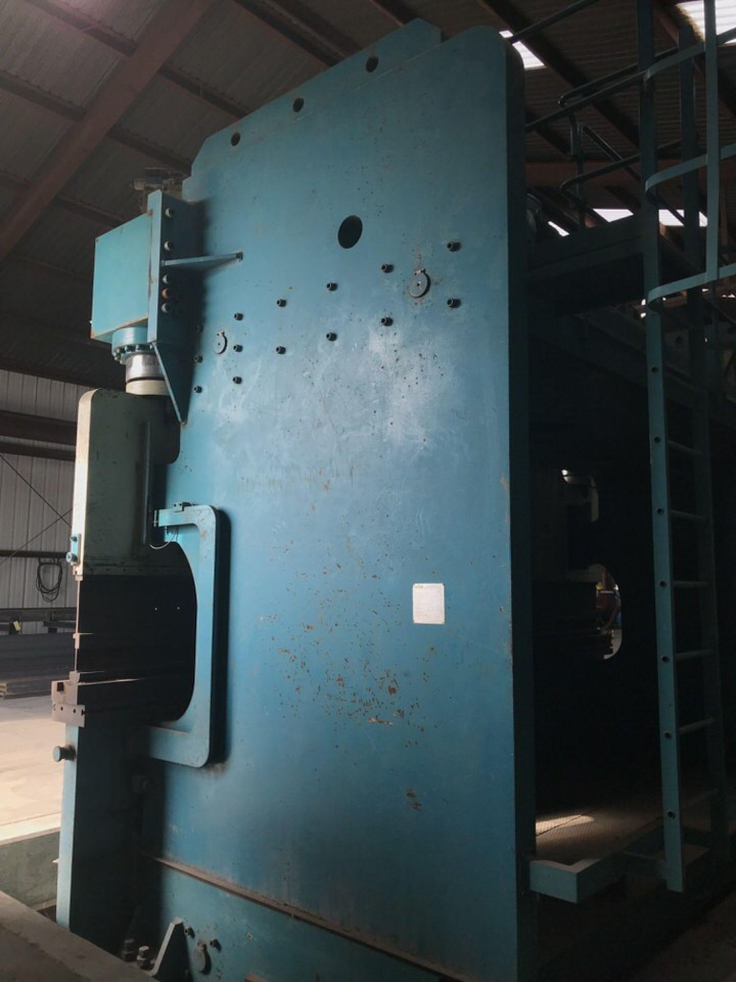 "Lot 102 - Adira QIH-70060 770 Ton Press Brake, Year: 2003, Bed Length: 20', Max Work Thickness: 1.2"", Distance"