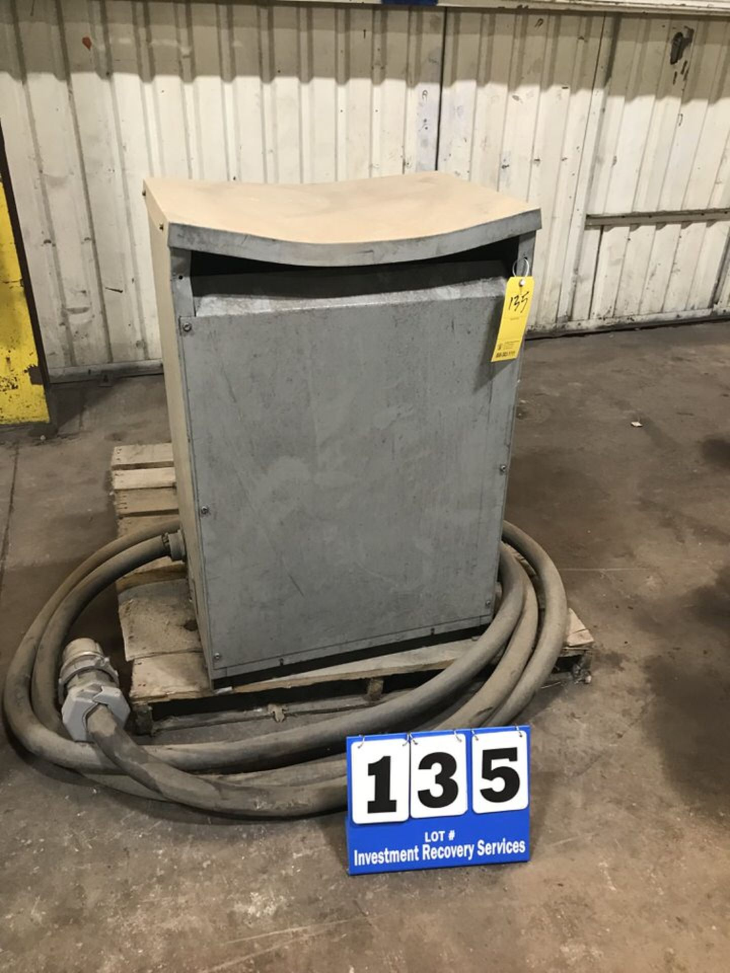 Lot 135 - 3PH Transformer, 112.5 KVA (LOCATION: 3421 N SYLVANIA, FT WORTH, TX, 76111)