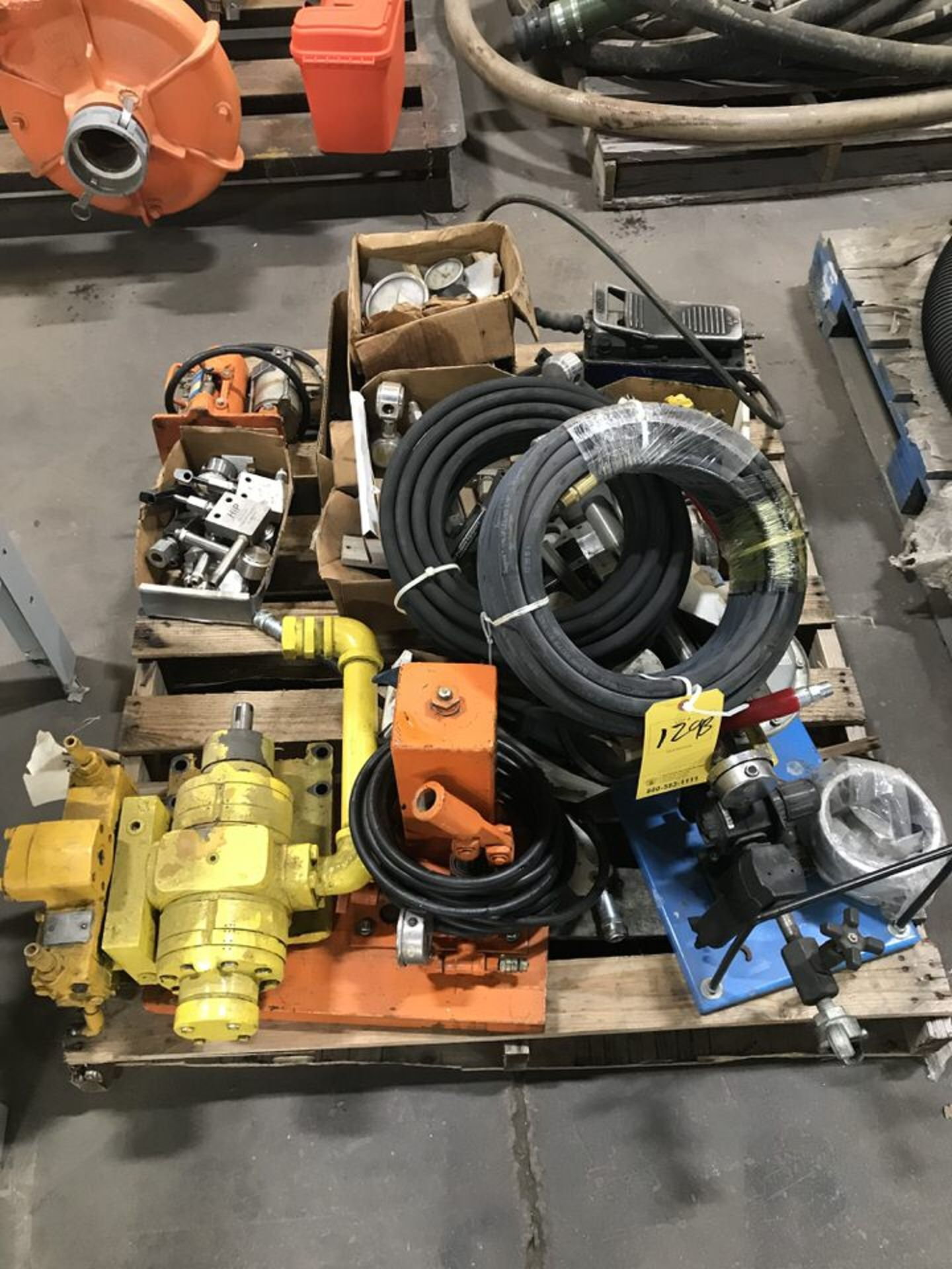 Lot 129B - Pump Equipment (LOCATION 1: 3421 N SYLVANIA, FT WORTH, TX, 76111)