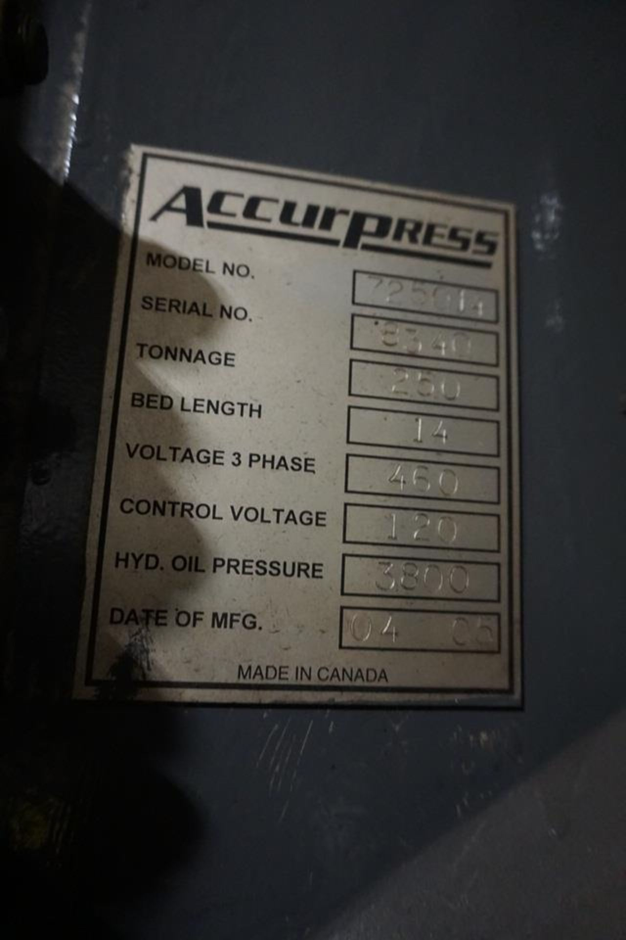 Lot 5 - (2005) 14' X 250 TON ACCURPRESS HYDRAULIC CNC PRESS BRAKE