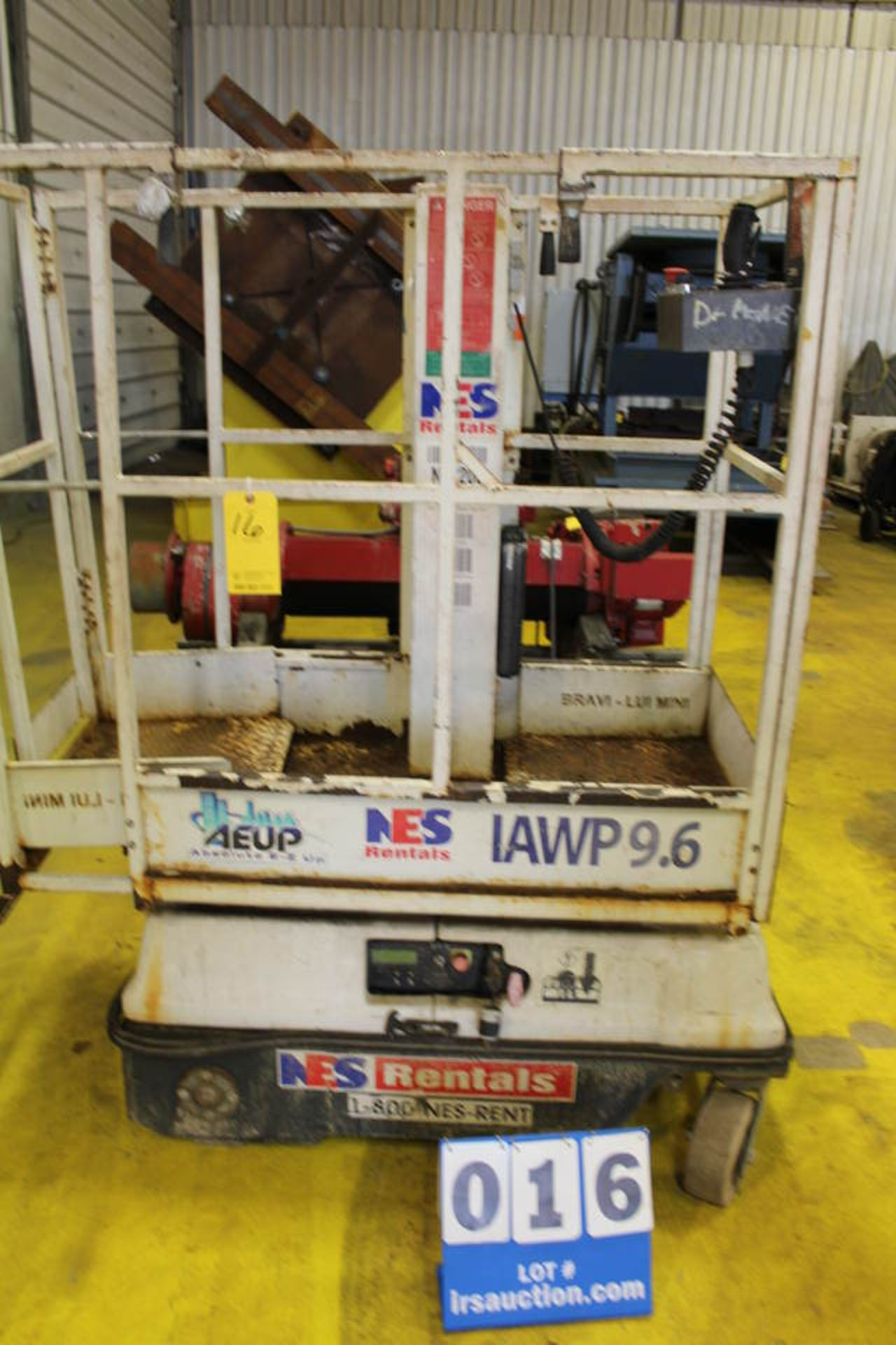 Lot 16 - BRAVIISOL PORTABLE PLATFORM LIFT, 2' X 4' FRAME W/ CHARGER (LOCATION: 4081 EASTSIDE HWY,
