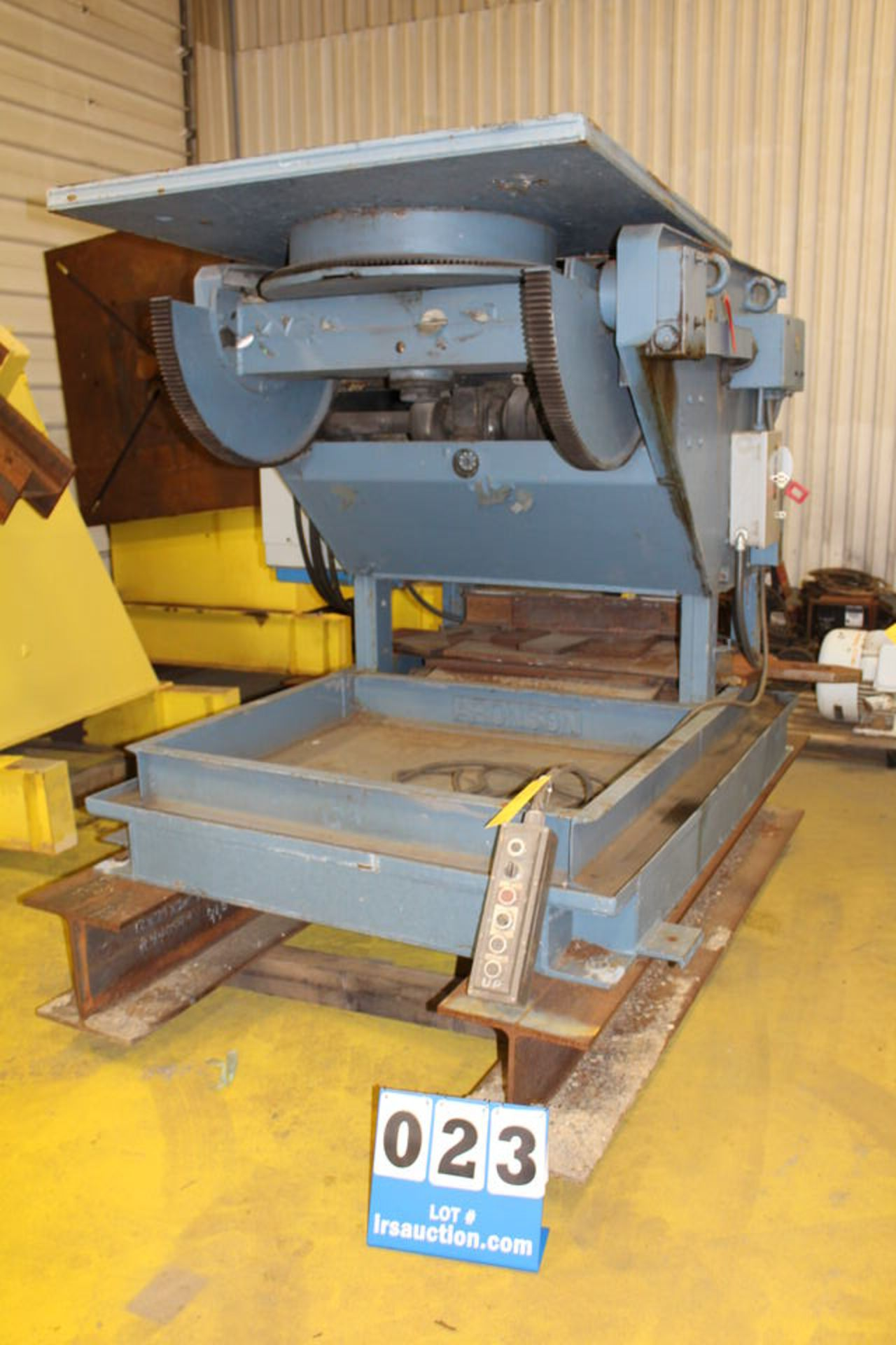 Lot 23 - ARONSON WELDING POSITIONER, MDL: HD600S, 4' X 4' FACEPLATE, TILTING, 6,000 LB CAP (LOCATION: 4081