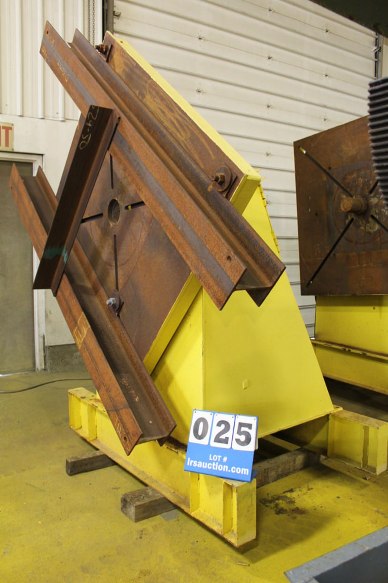 Lot 25 - PANJIRIS WELDING POSITIONER, 5' X 5' FACEPLATE, MDL:N/A, CAP: N/A, VERTICAL ONLY (LOCATION: 4081