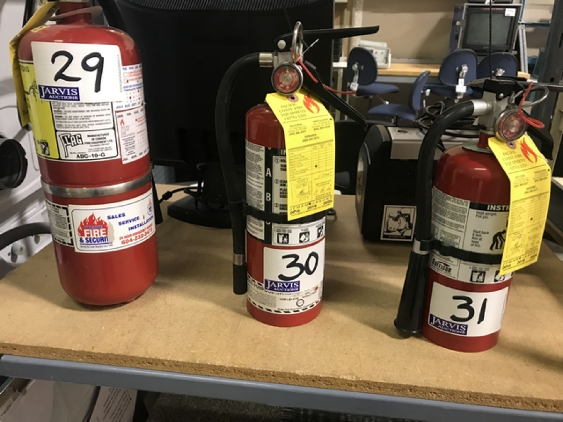 Lot 30 - FIRE EXTINGUISHER