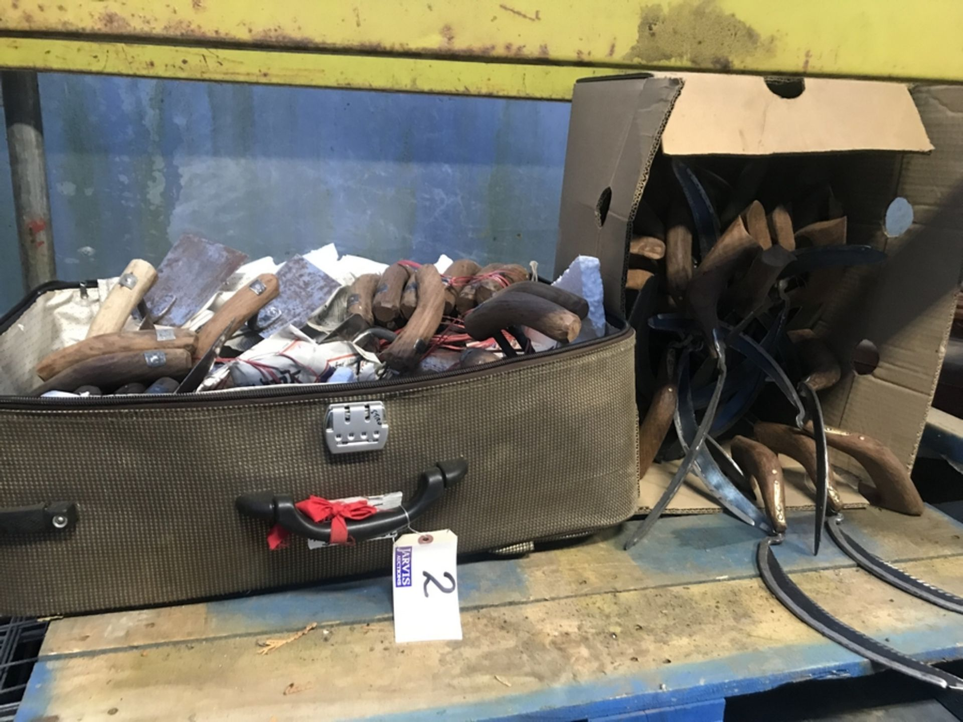 Lot 2 - BOX & SUITCASE OF HAND TOOLS