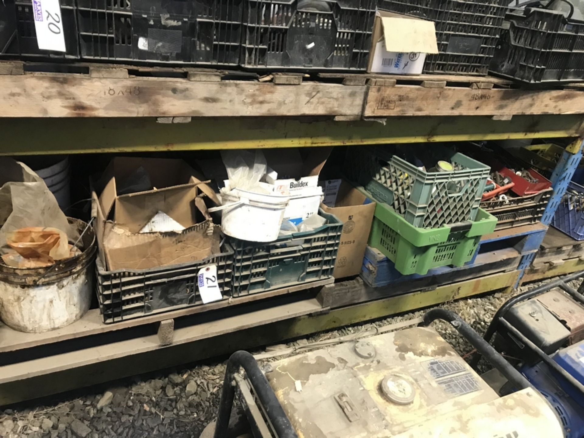 Lot 21 - SHELF OF ASSORTED PARTS
