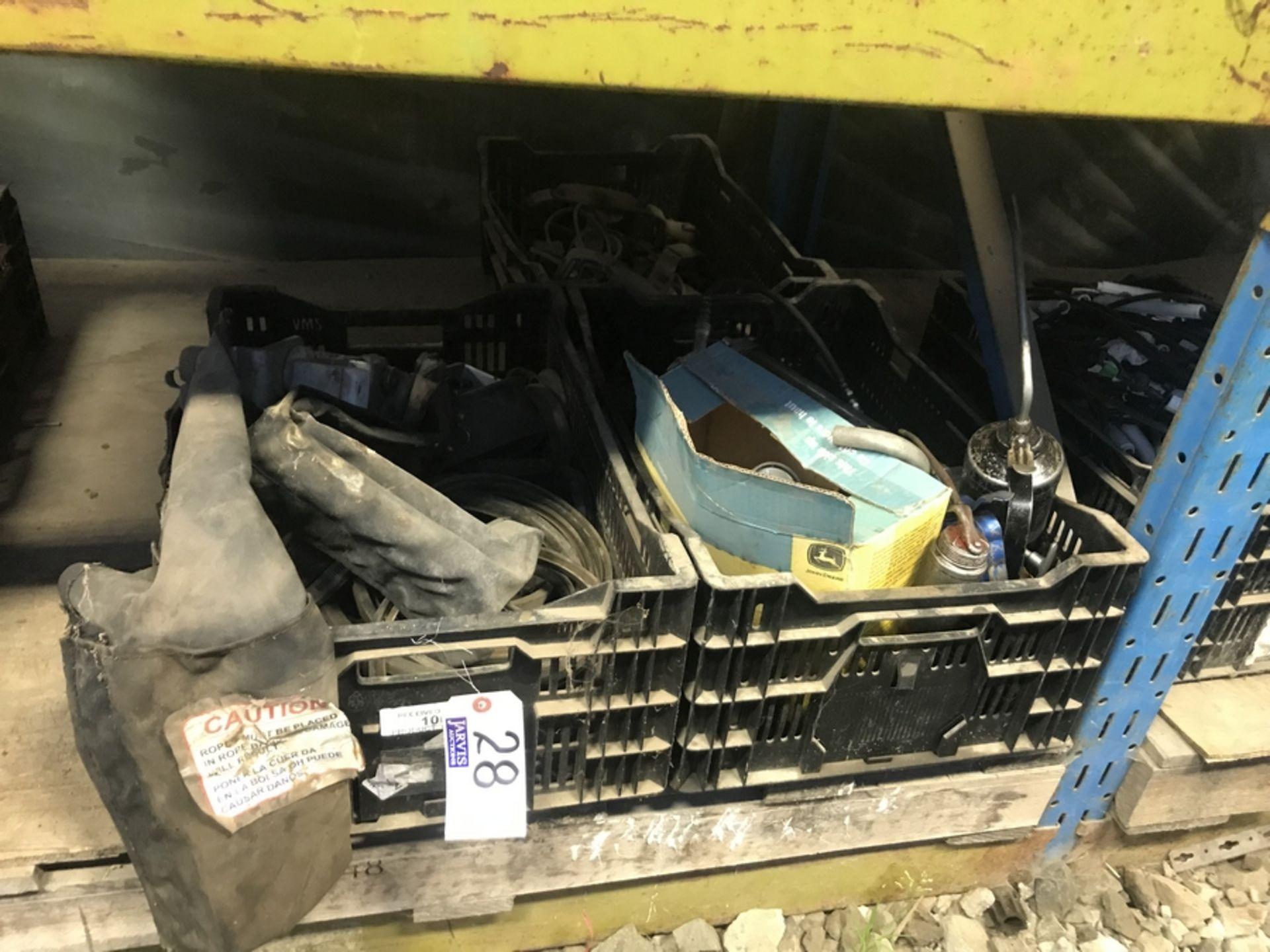 Lot 28 - OILERS, GREASE GUNS ETC..